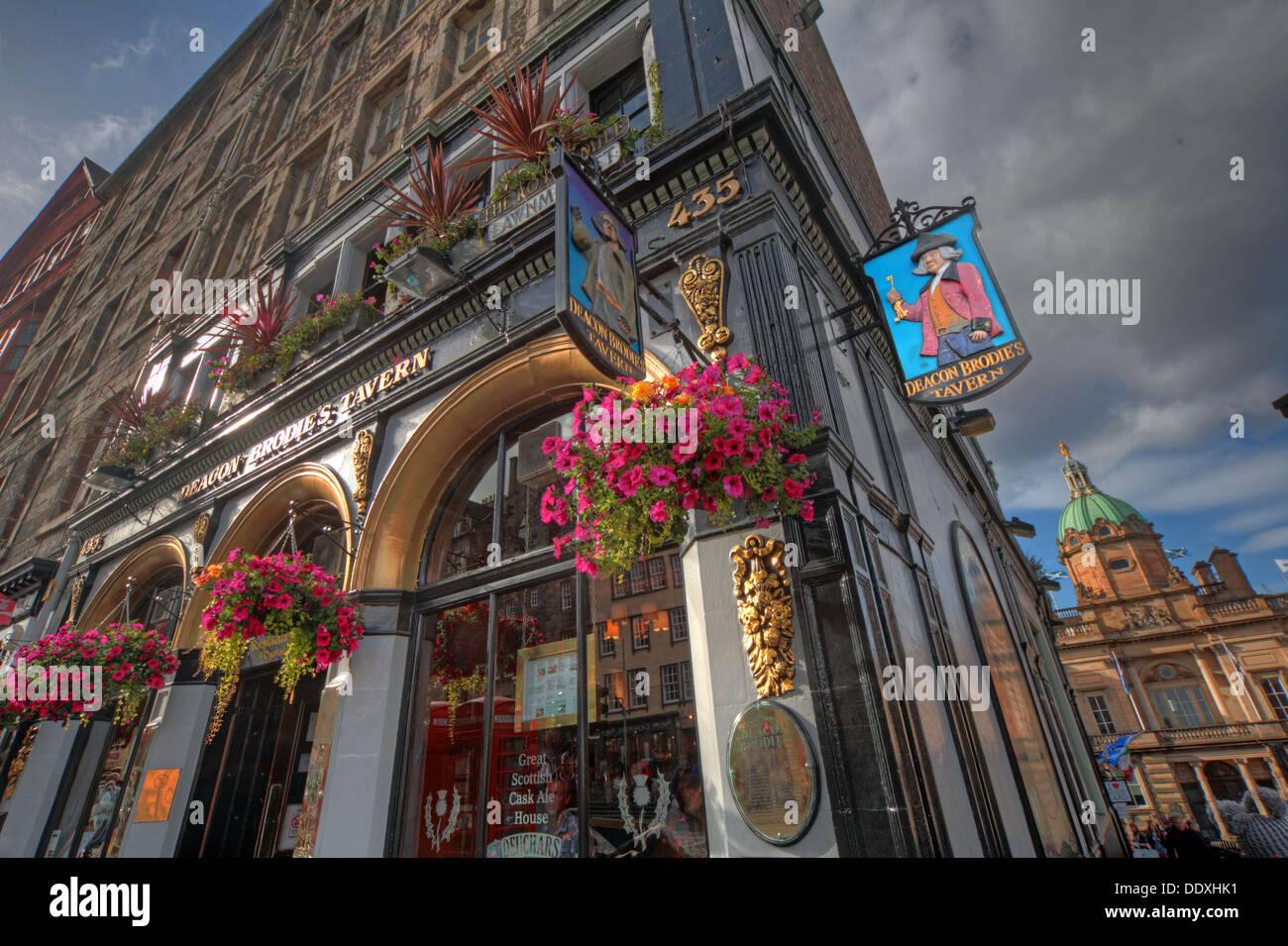 Laden Sie dieses Alamy Stockfoto Diakon Brodies Taverne, Royal Mile, EDN, Stadt von Edinburgh, Scotland, UK - nachschlagen - DDXHK1
