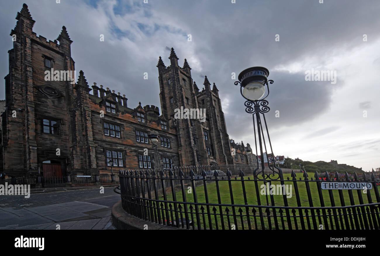Laden Sie dieses Alamy Stockfoto Blick auf The Mound, Hauptstadt Edinburgh Lothians Scotland UK - DDXJ8H