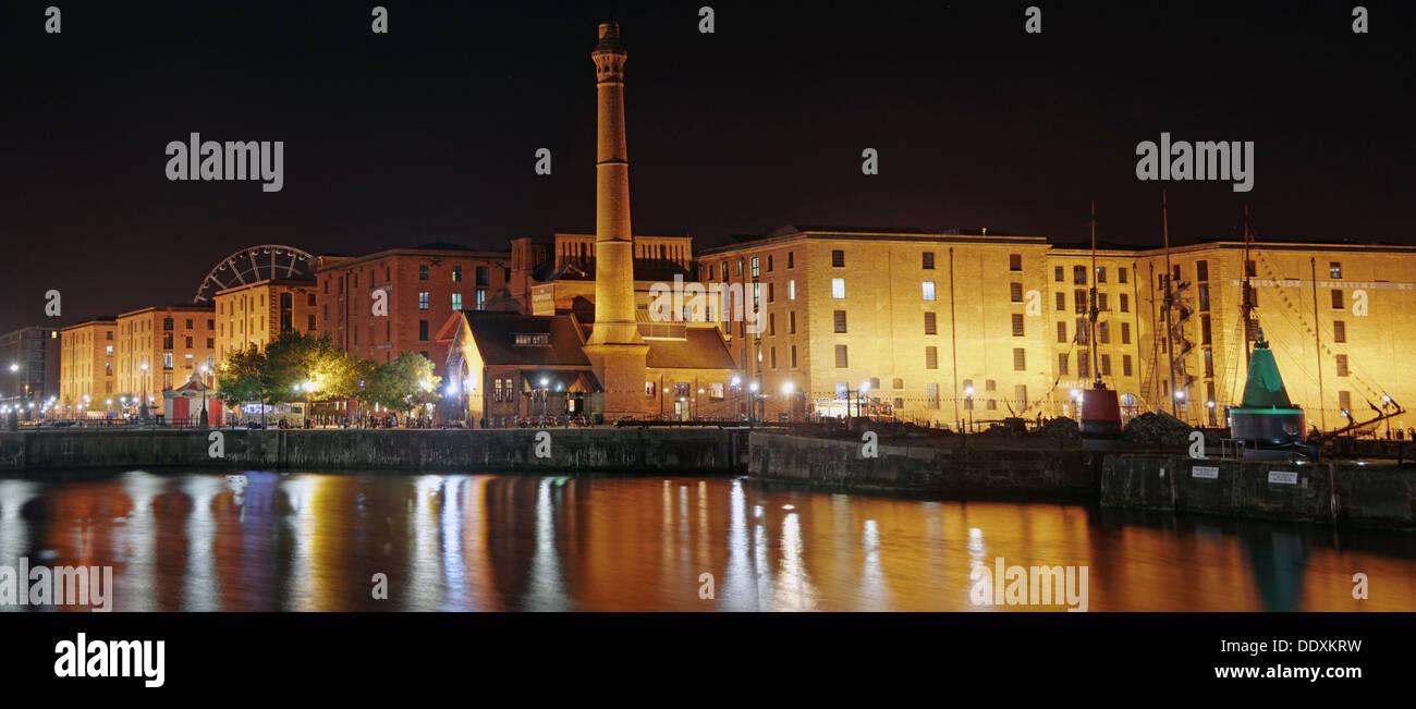 Laden Sie dieses Alamy Stockfoto Albert Dock-Liverpool in der Nacht, Merseyside, England, UK, die blaue Stunde - DDXKRW