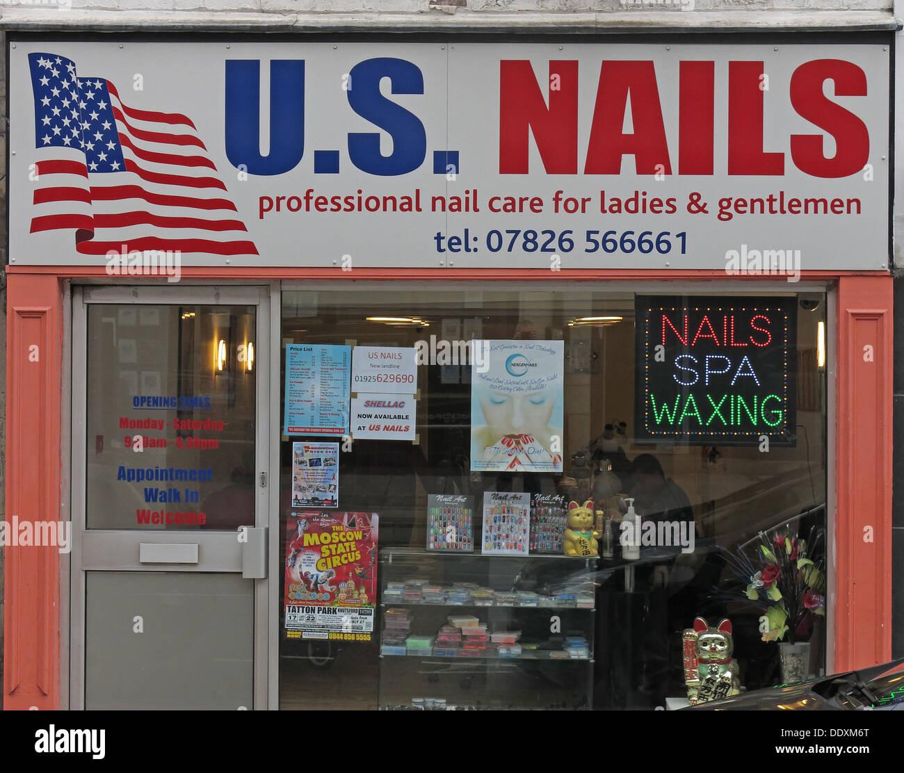Laden Sie dieses Alamy Stockfoto Unisex nails Shop für Männer und Frauen in Warrington, Cheshire England UK WA1 - DDXM6T