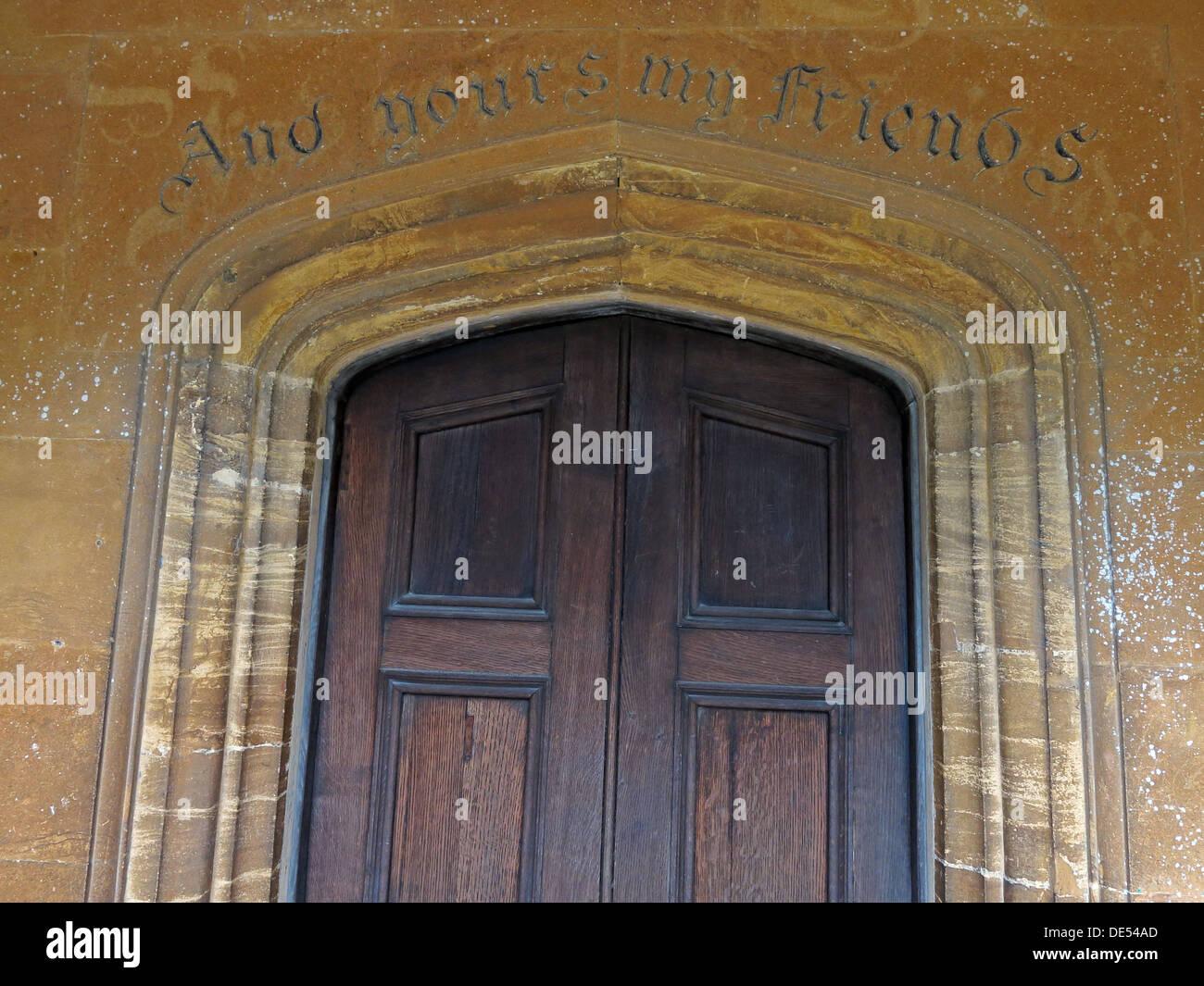 Laden Sie dieses Alamy Stockfoto Und dir meine Freunde, Inschrift in Montecute, Somerset, England, UK - DE54AD