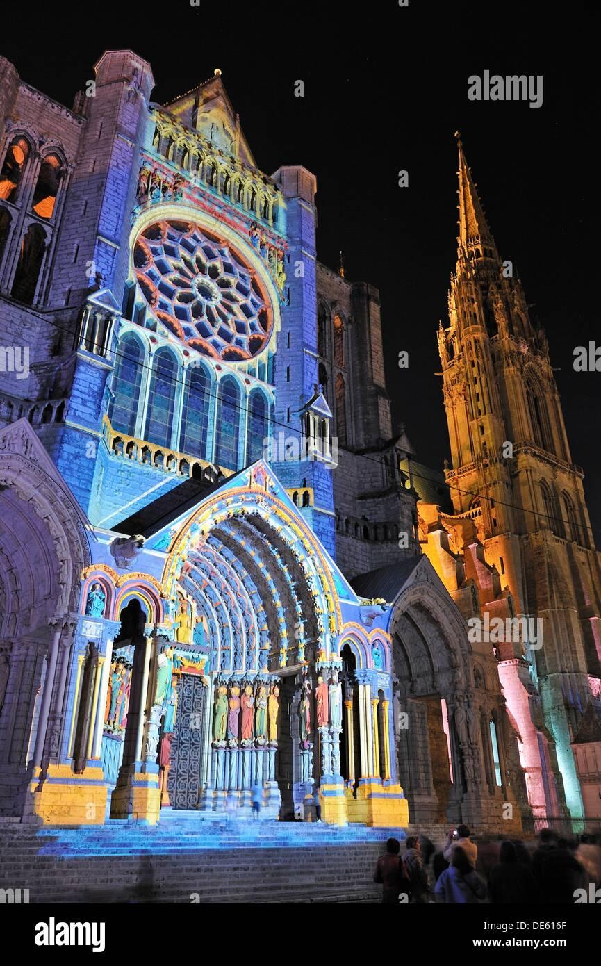Aufhellung der nördlichen Querschiff Portal der Cathedrale de Chartres, Eure-et-Loir Abteilung, Region Centre, Stockbild