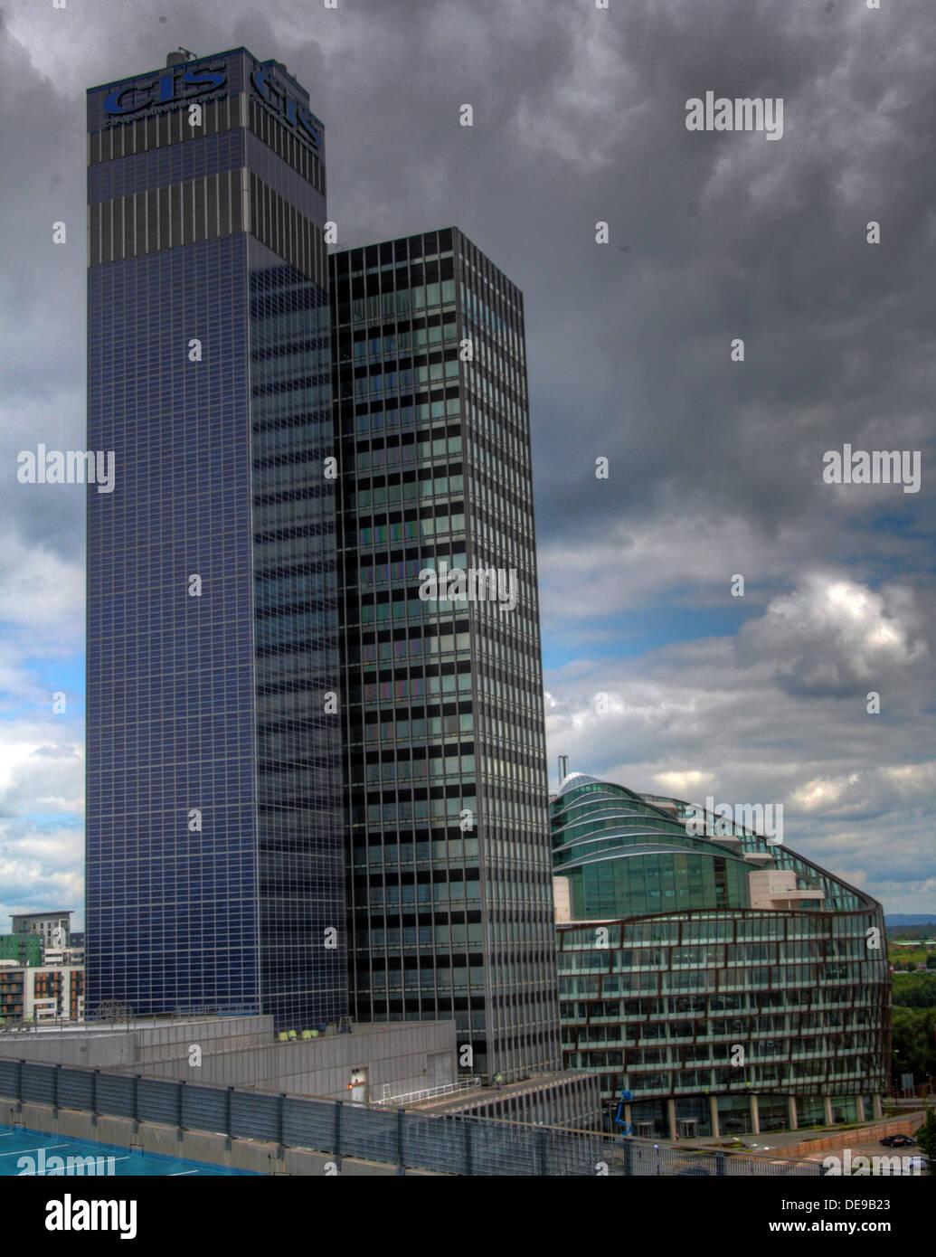 Laden Sie dieses Alamy Stockfoto BIPV Sonnenkollektoren auf neue Century House, COOP, Manchester, England, UK - DE9B23