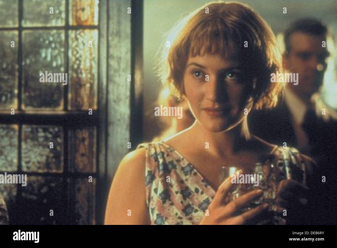 IRIS 2001 Touchstone Pictures Film mit Kate Winslet Stockbild