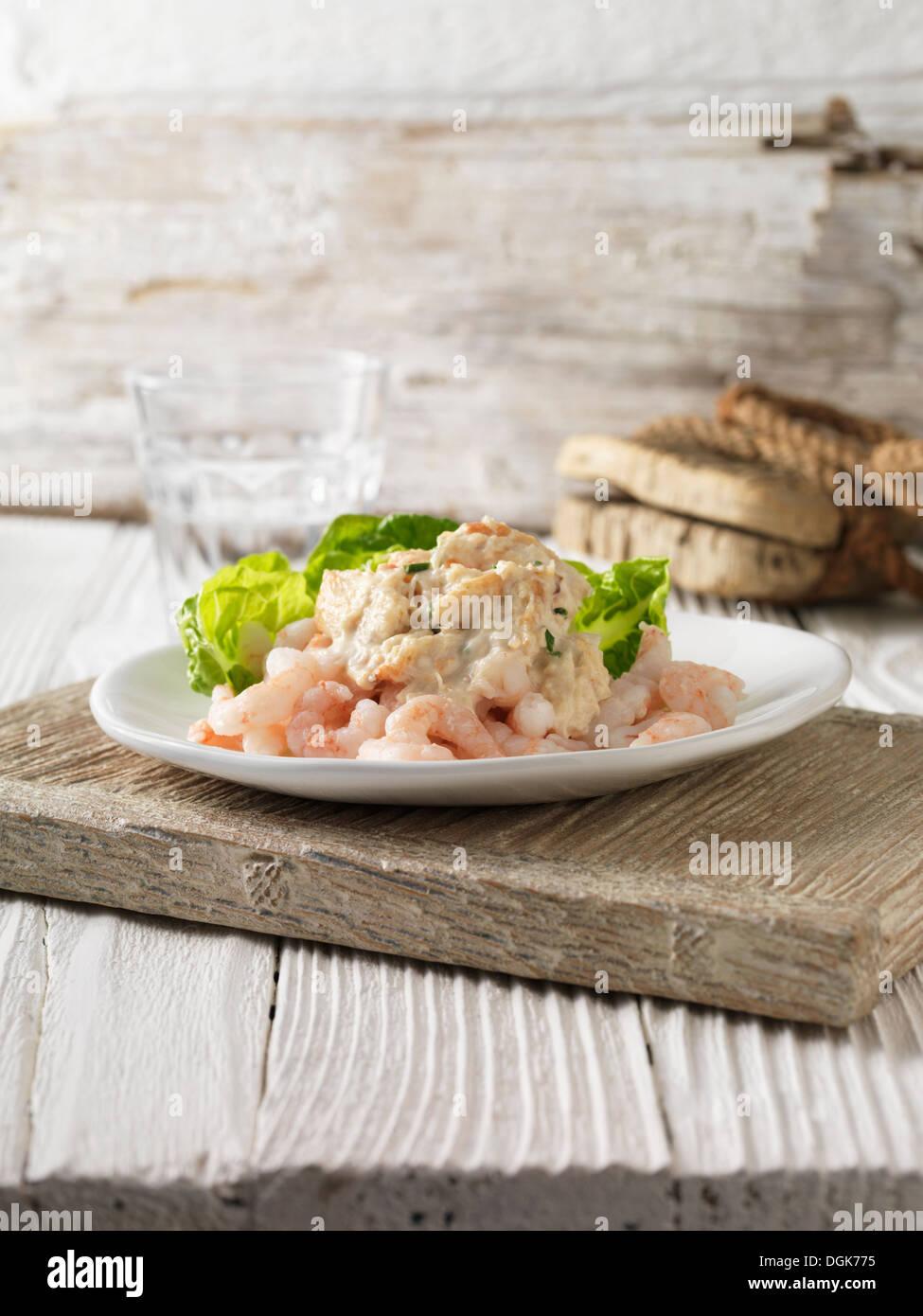 Garnelen und Krabben cocktail mit Kleinod Salat Stockbild