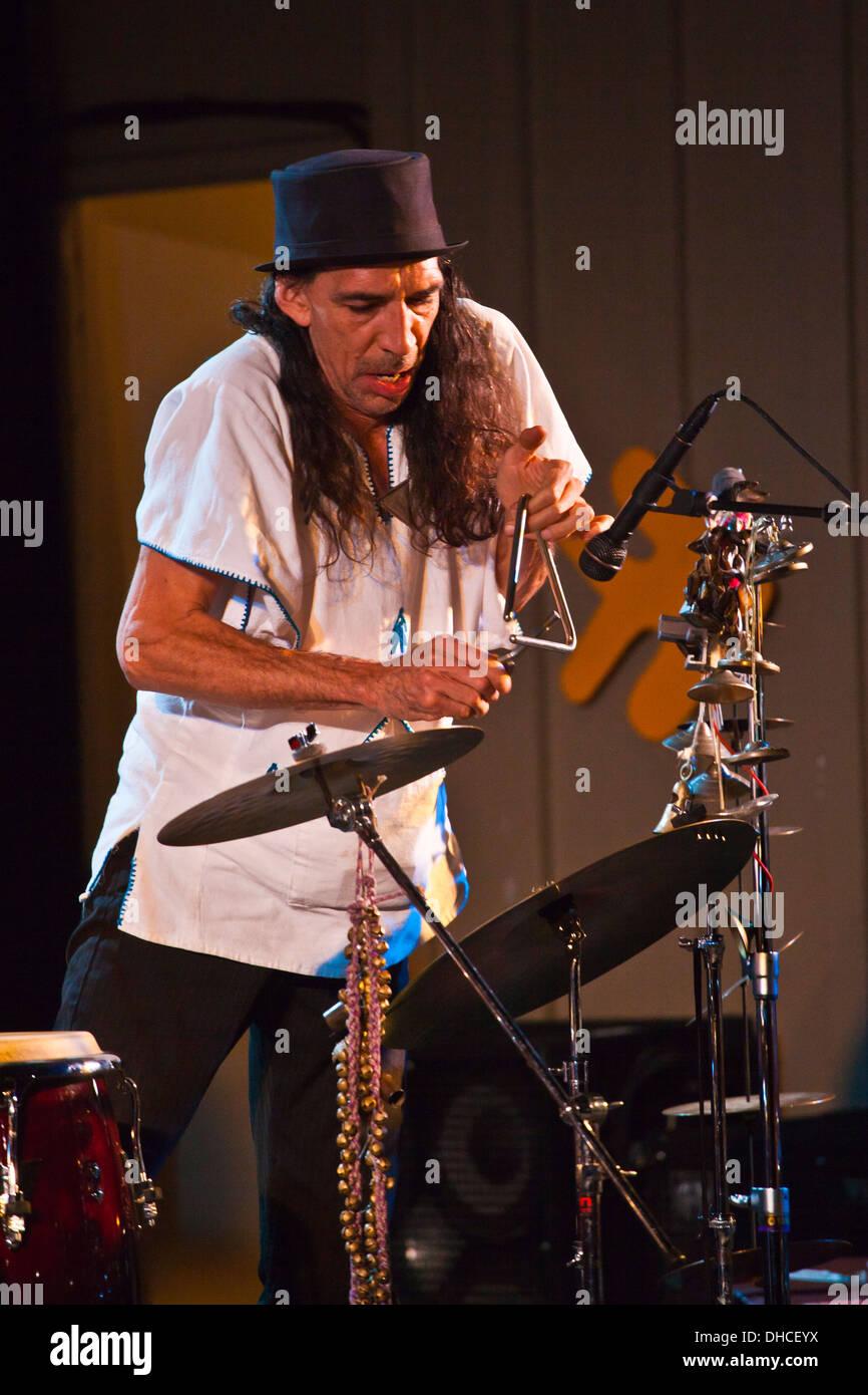 MARC CAREY Fokus Reise preforms auf der Garten-Bühne auf dem Monterey Jazz Festival - MONTEREY, Kalifornien Stockbild