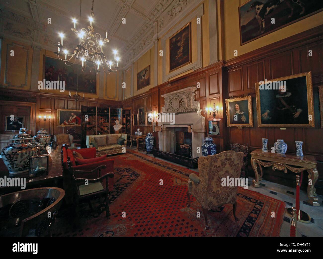 Laden Sie dieses Alamy Stockfoto Die große Halle, Dunham Massey, abends. NT in der Nähe von Altrincham, Cheshire, England, UK - DHGY56