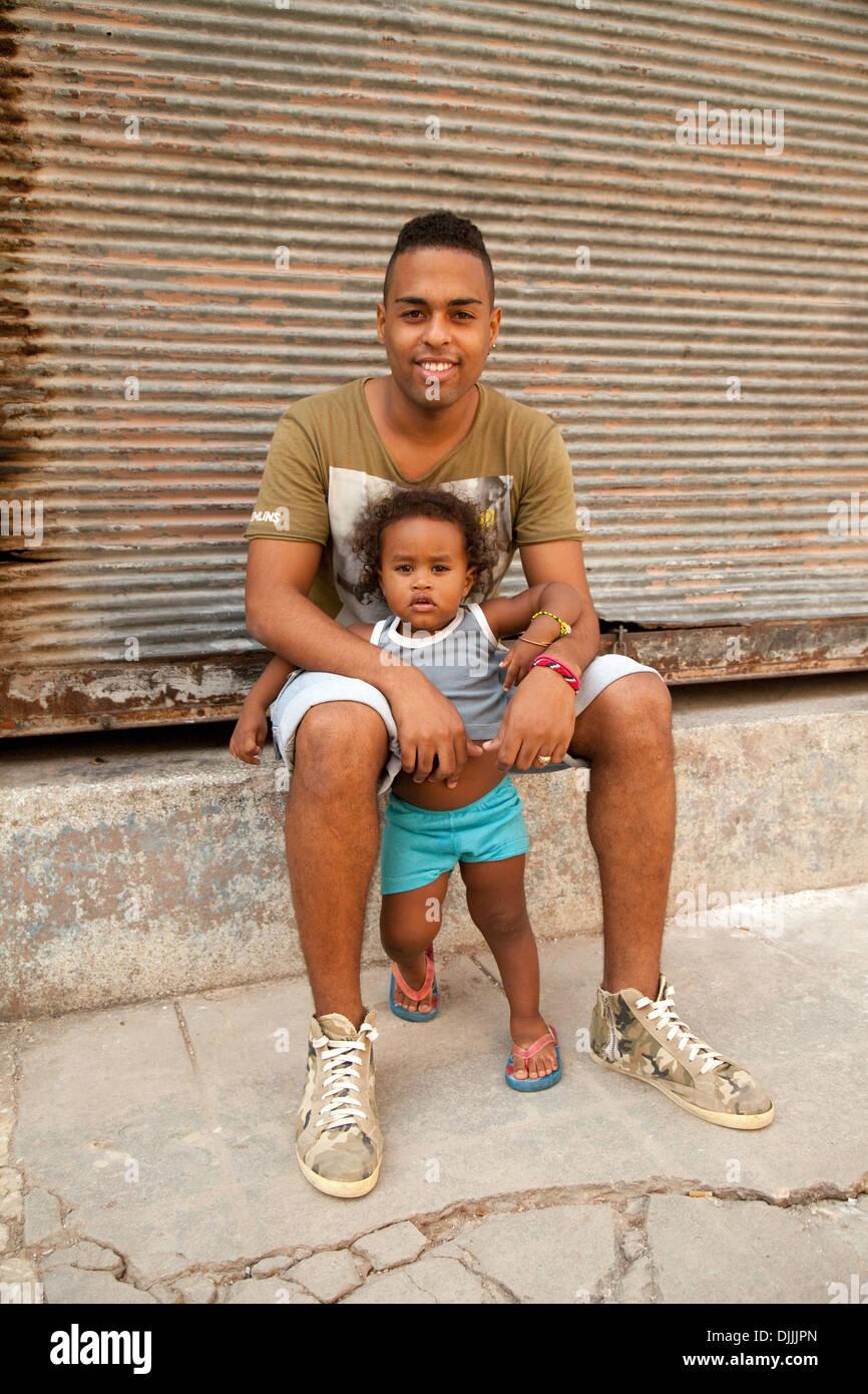 Eine kubanische Vater und Tochter, Teil der Familie, Havanna Kuba, Karibik Stockbild