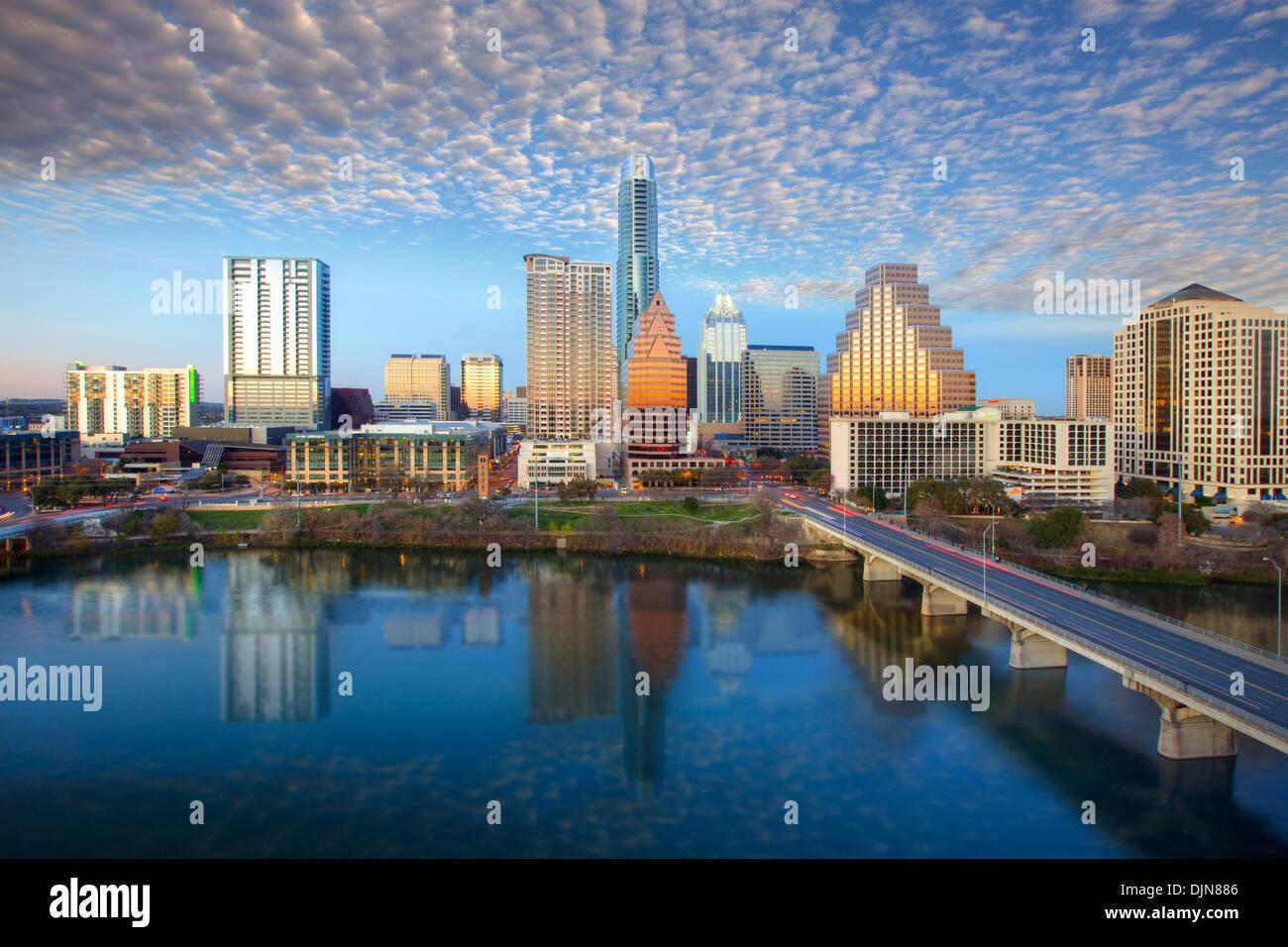 Die Skyline von Austin in Austin, Texas, scheint an einem späten Nachmittag. Die legendären Austin Hochhäuser Stockbild