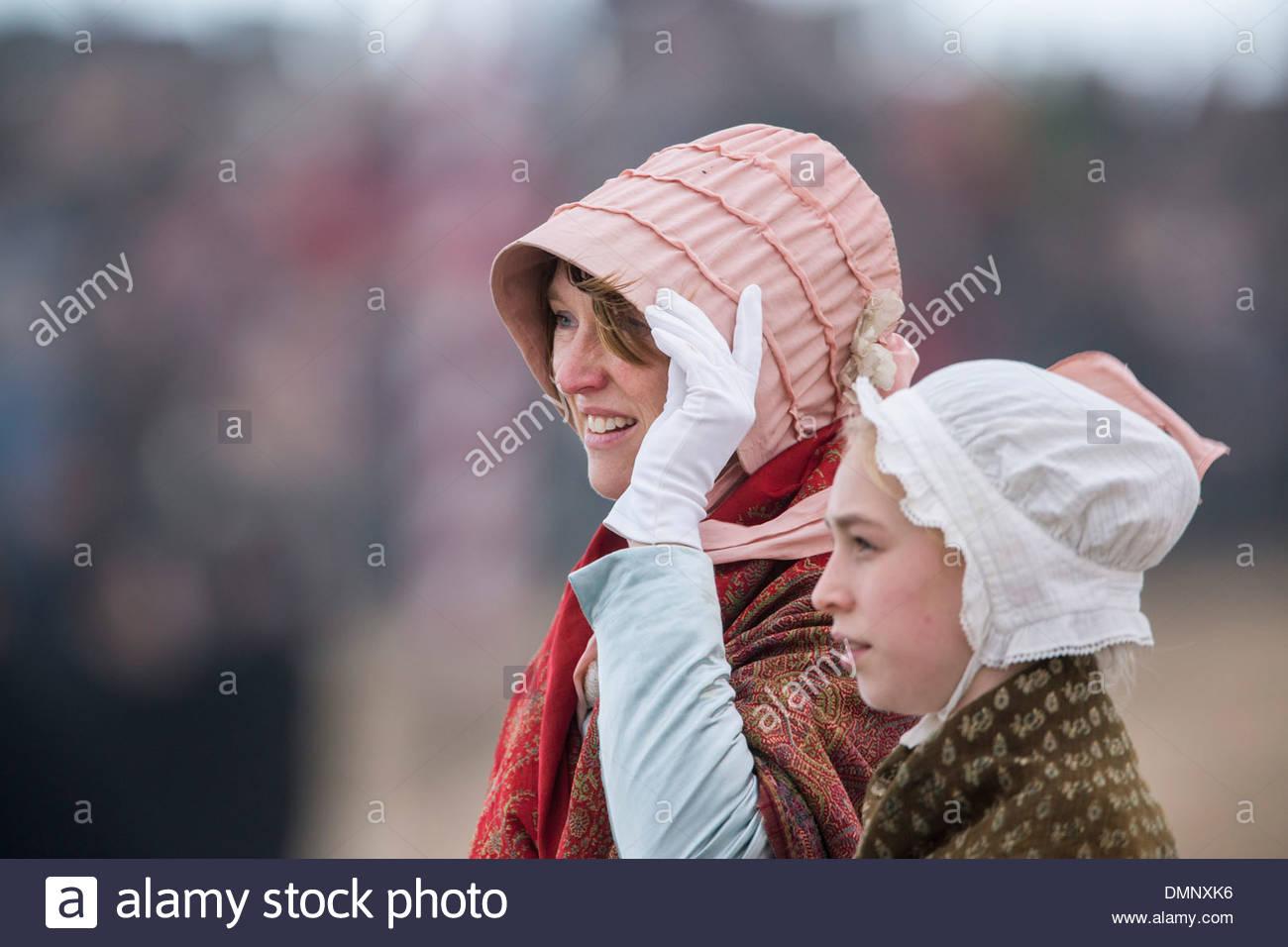 Holland, Scheveningen. Zweihundertjahrfeier. Historischen Landung am Strand von Scheveningen. Fischer und Frauen Stockfoto