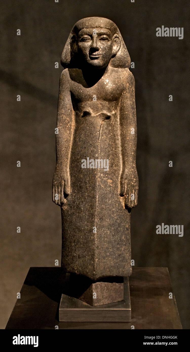 Stehende schreitende Figur eines Mannes mit einem langen Kilt 13 Dynastie 1750 BC Ägypten ägyptische Stockbild