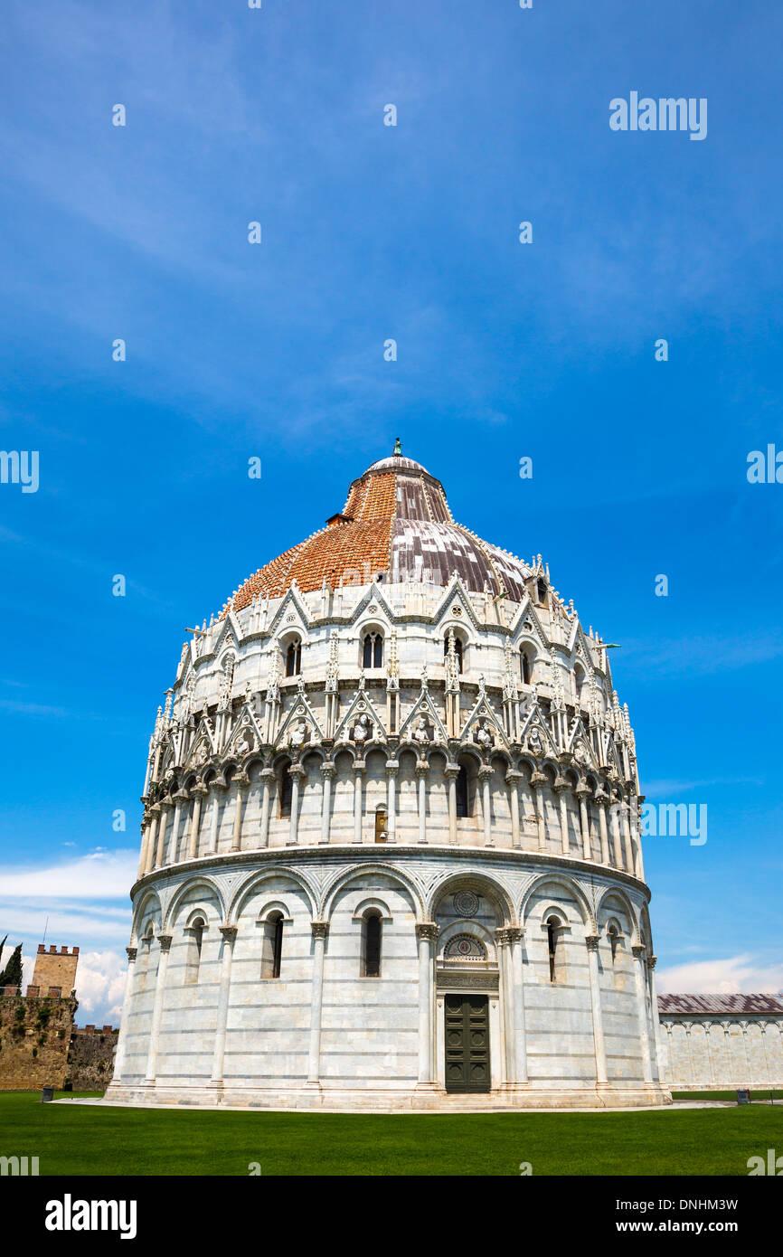 Fassade ein Baptisterium, Baptisterium des Heiligen Johannes, Piazza Dei Miracoli, Pisa, Toskana, Italien Stockbild