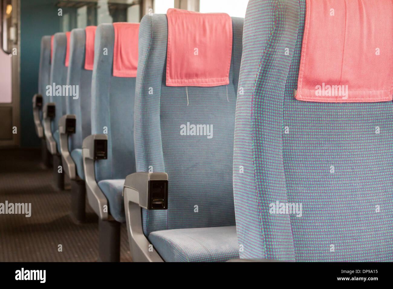 Sitze in einem Eisenbahnwagon Deutsch Deutsche Bahn Stockbild