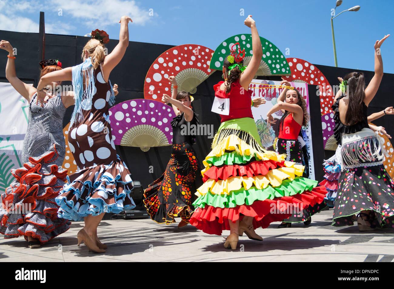 Flamenco-Tänzer bei Feria de Abril Flamenco Wochenende in Las Palmas, Gran Canaria, Kanarische Inseln, Spanien Stockbild