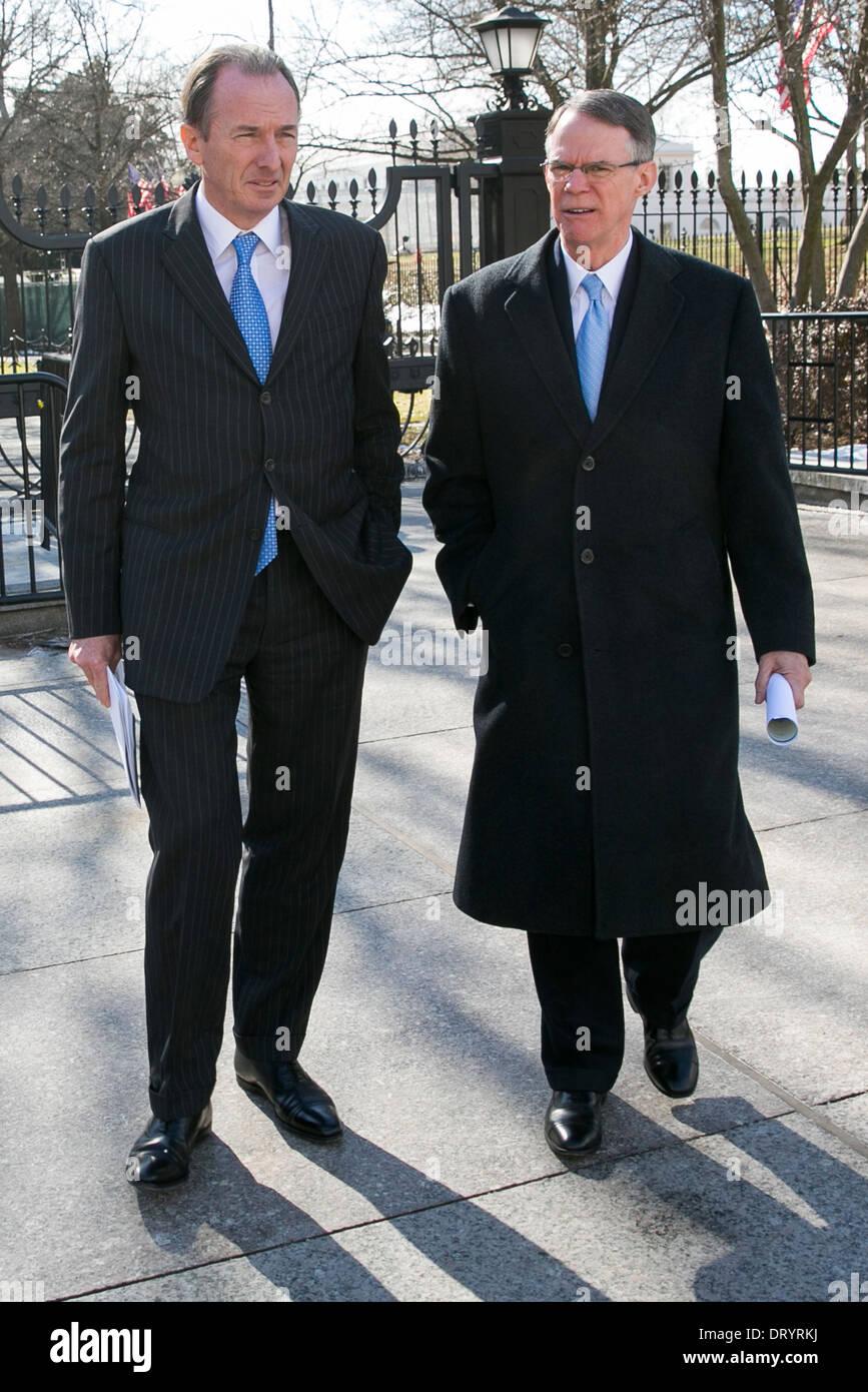 James Gorman, CEO, Morgan Stanley, links, und Richard Davis, Vorsitzender, U.S. Bancorp, rechts. Stockbild