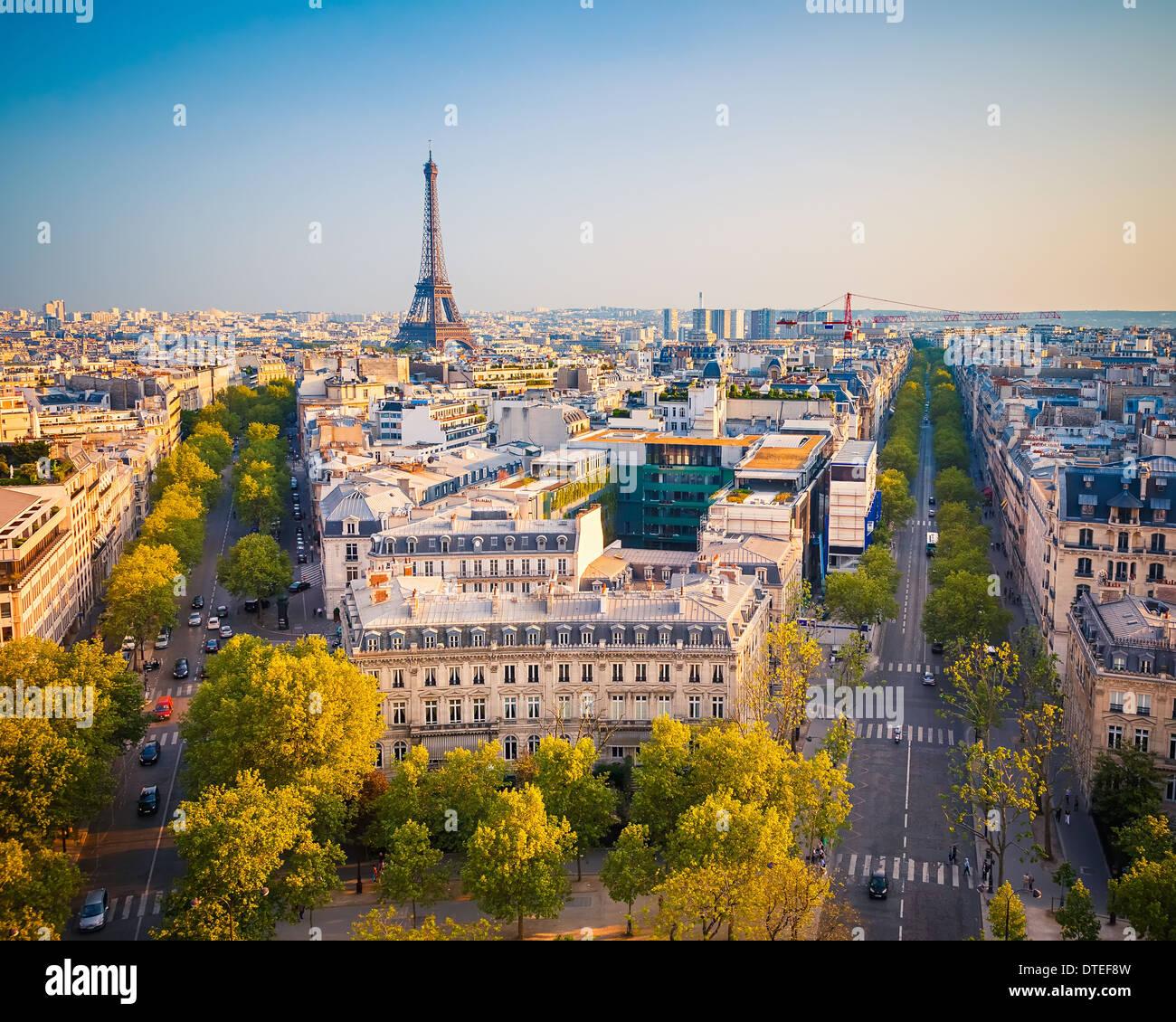 Blick auf Paris bei Sonnenuntergang Stockbild