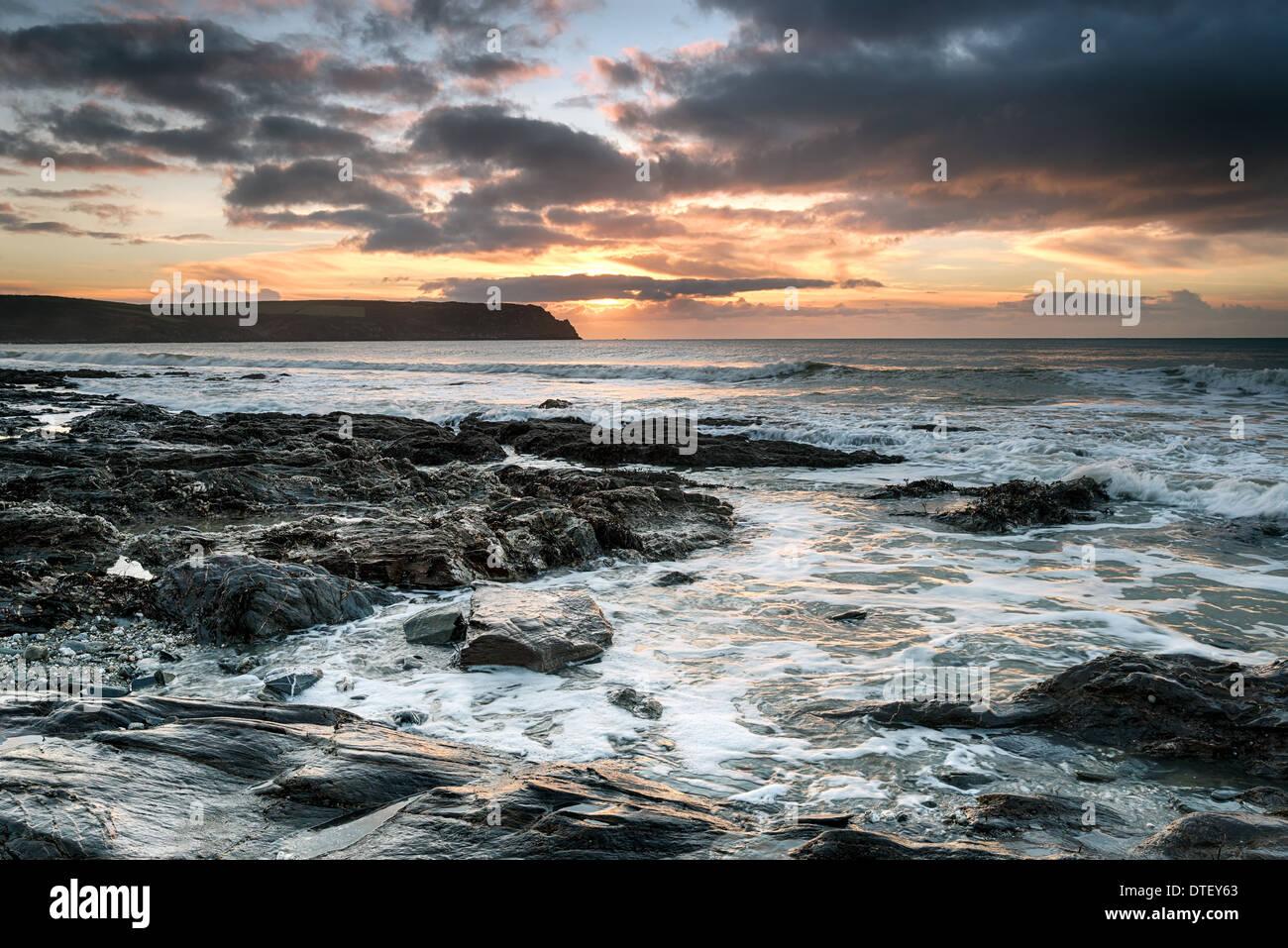 Pendower Beach an der südlichen Küste von Cornwall Stockbild