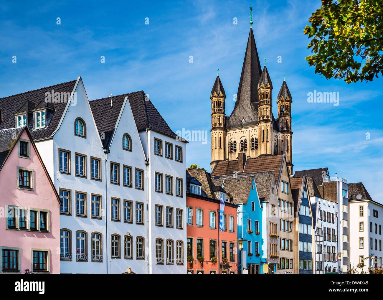 Stadtbild Köln über den Rhein. Stockbild