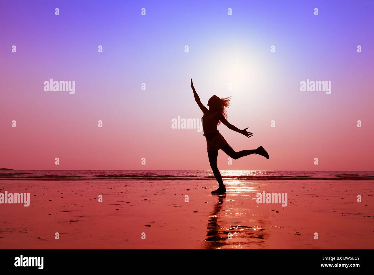 glückliche Menschen, Konzept der gesunden Lebensweise Stockbild