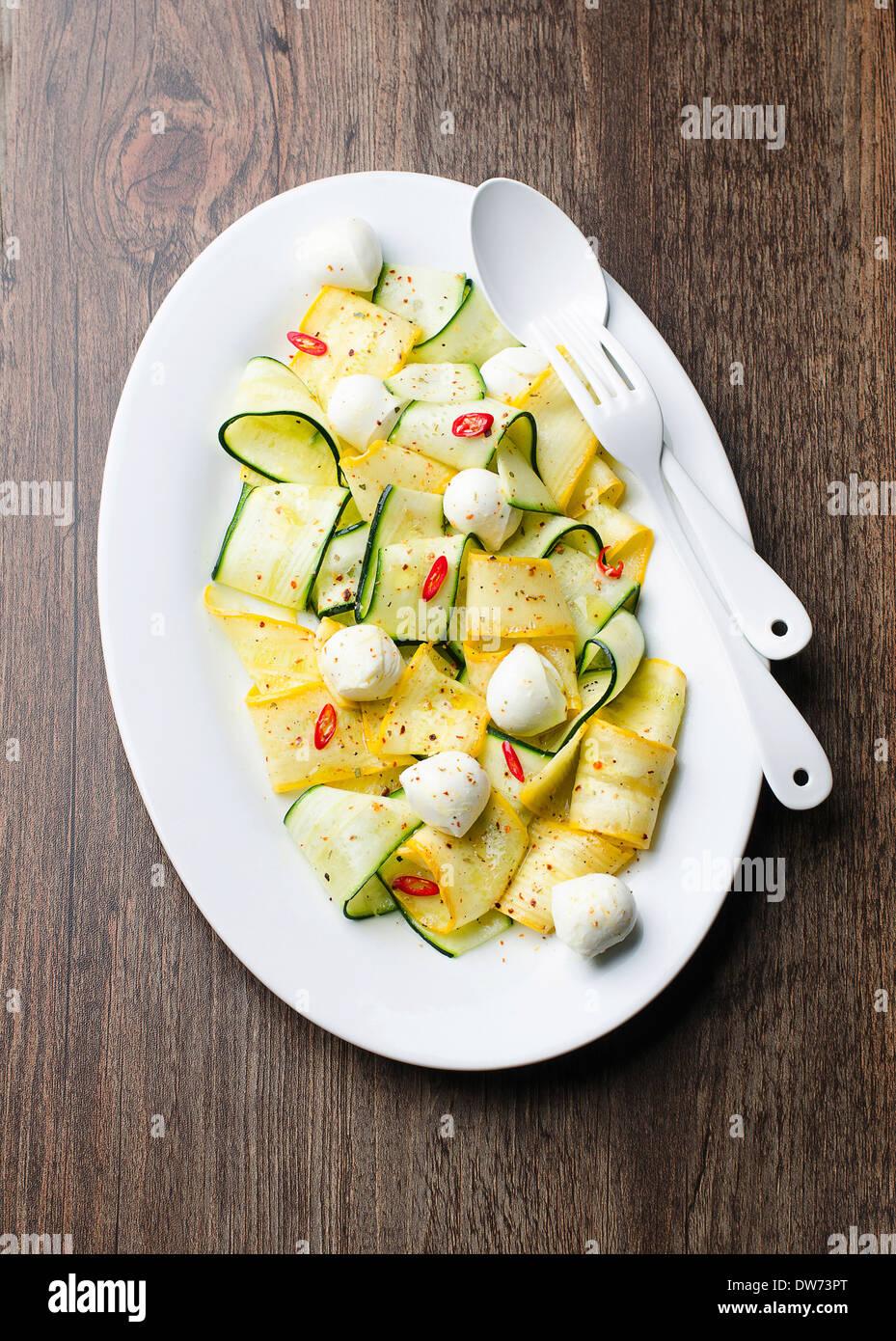 Zucchini Salat Stockbild