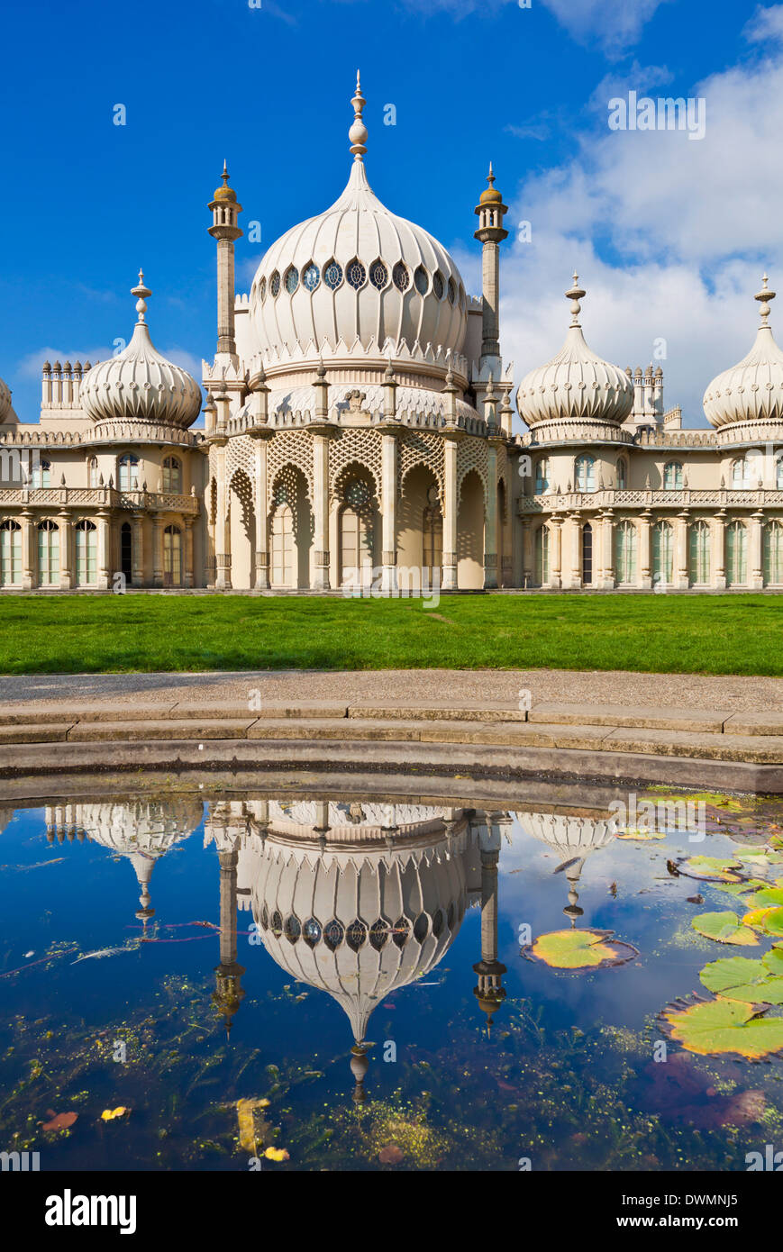 Brighton Royal Pavilion mit Reflexion, Brighton, East Sussex, England, Vereinigtes Königreich, Europa Stockbild