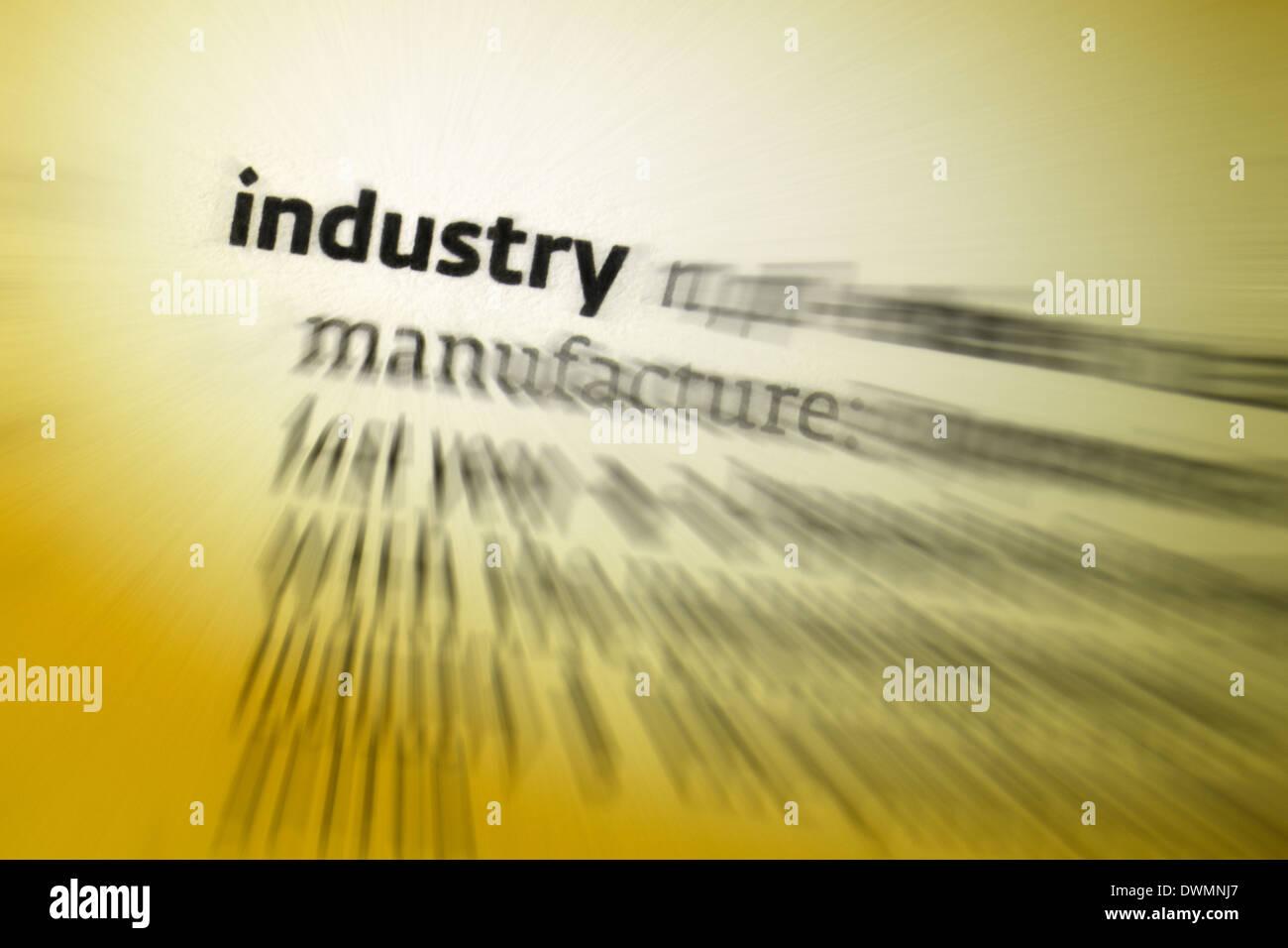 Industrie - wirtschaftliche Tätigkeit befasst sich mit der Verarbeitung der Rohstoffe und Herstellung von waren Stockbild