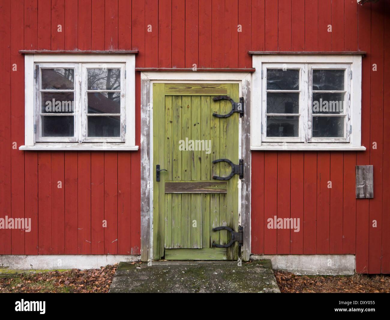 Hinges stockfotos hinges bilder alamy - Grune fensterrahmen ...