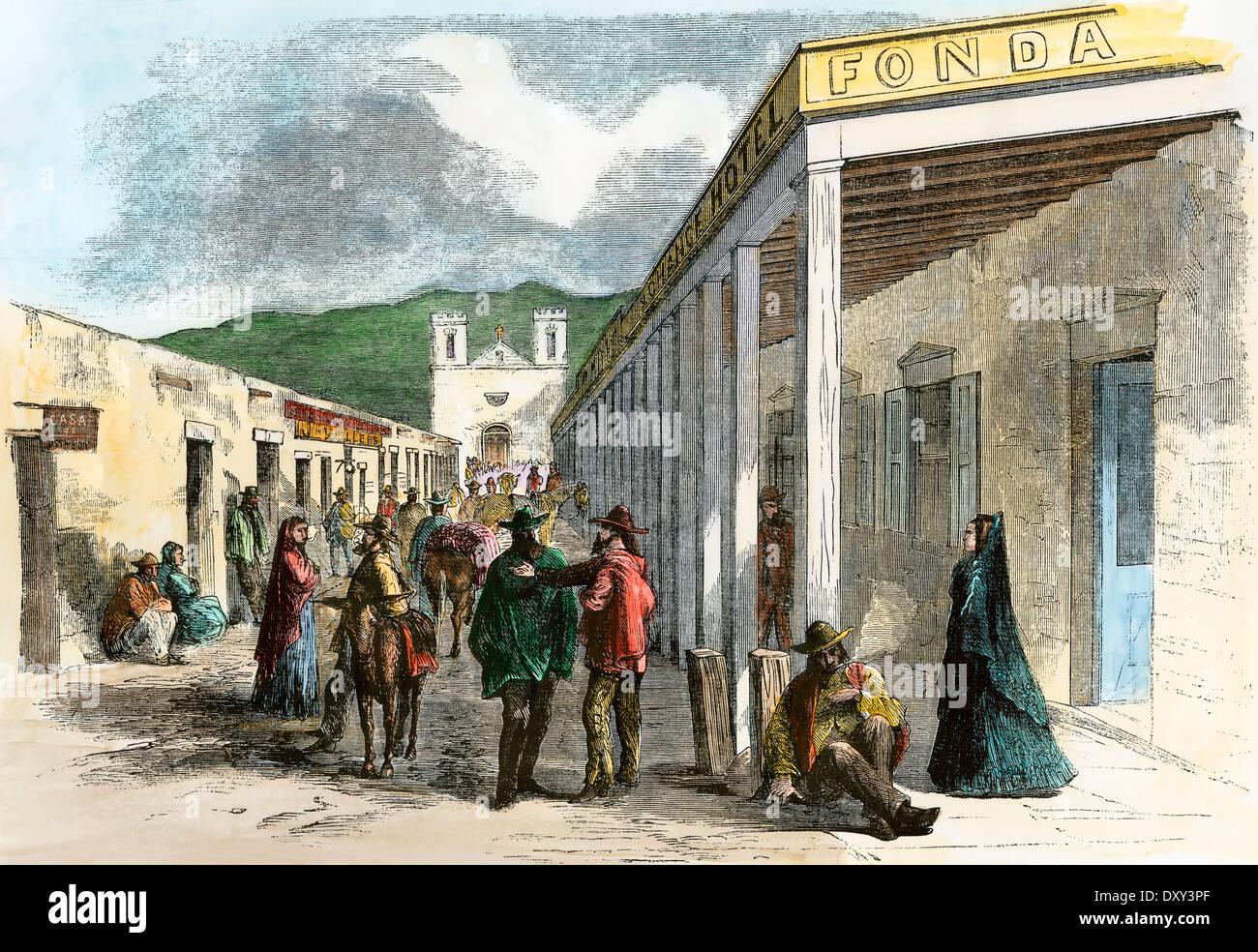 La Fonda Hotel, Blick vom Plaza St Francis Cathedral, Santa Fe, NM, 1860er Jahre. Stockbild