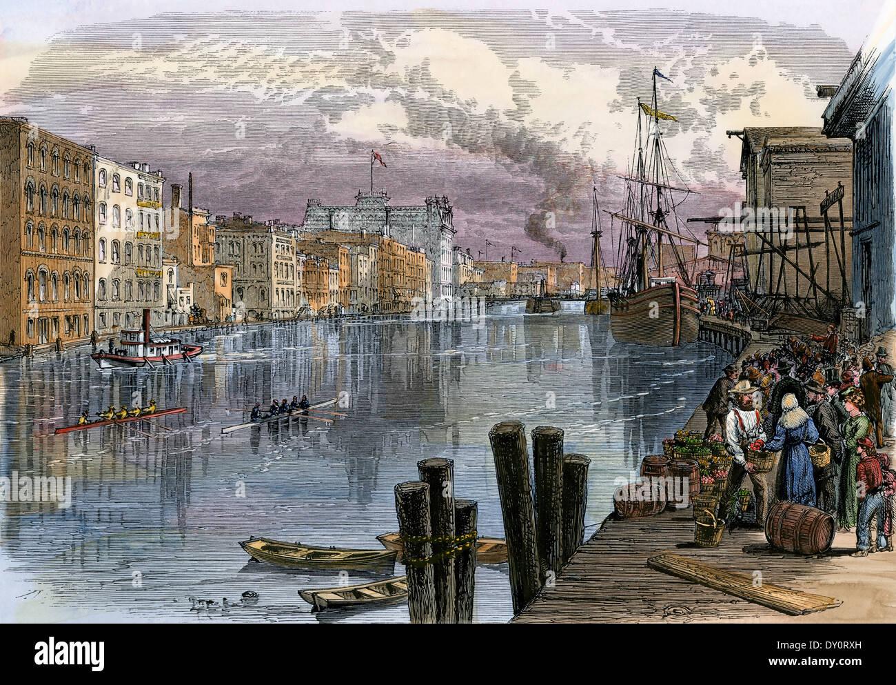 Beschäftigt Milwaukee River Waterfront, der 1870er Jahre. Stockbild