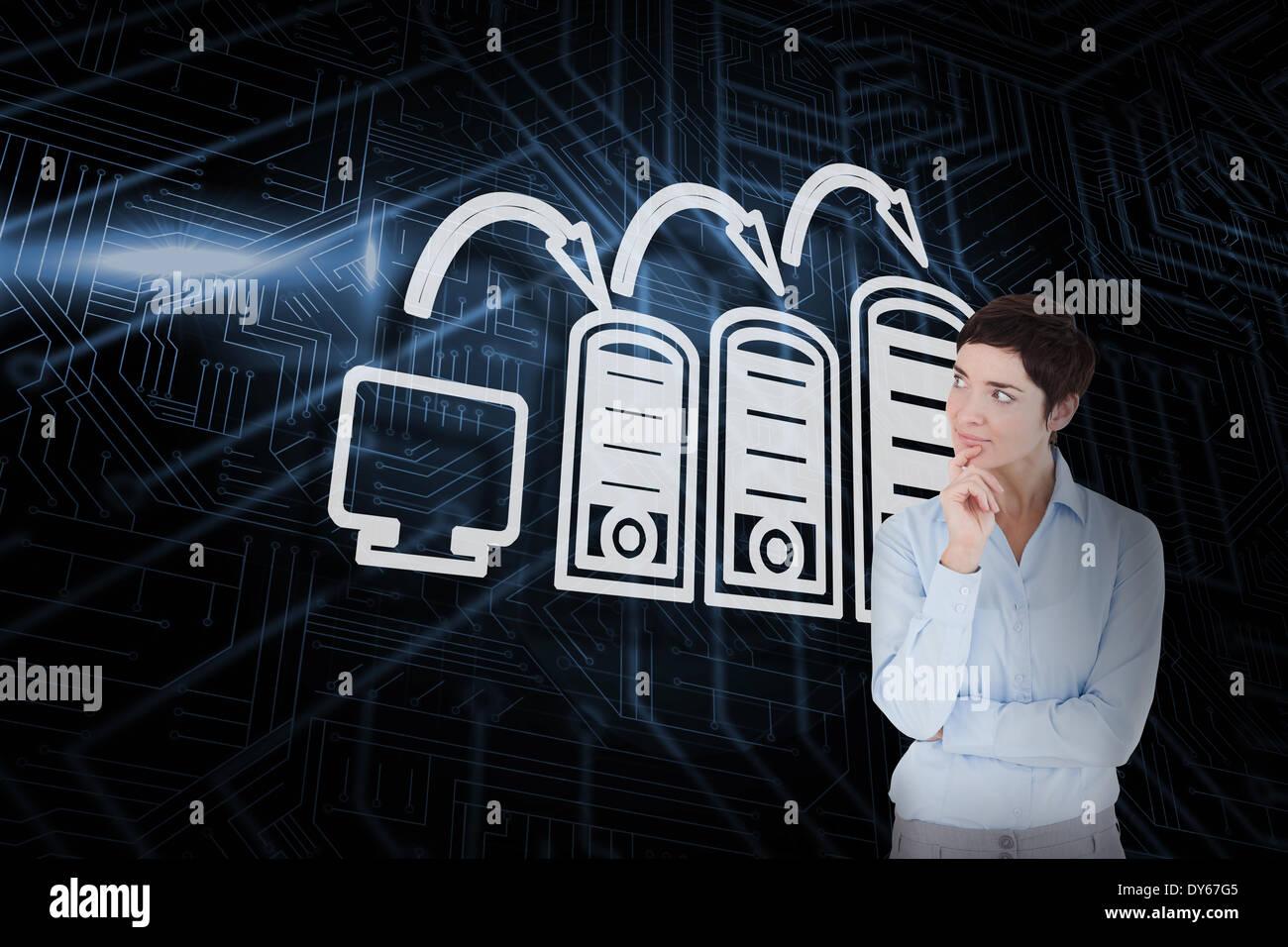 Zusammengesetztes Bild der Computerverbindung und denken Geschäftsfrau Stockbild