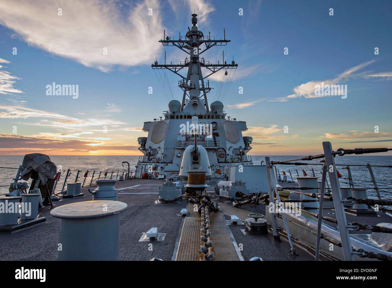 US Navy Arleigh Burke-Klasse geführte Flugkörper Zerstörer USS Donald Cook Transite des Atlantischen Stockbild