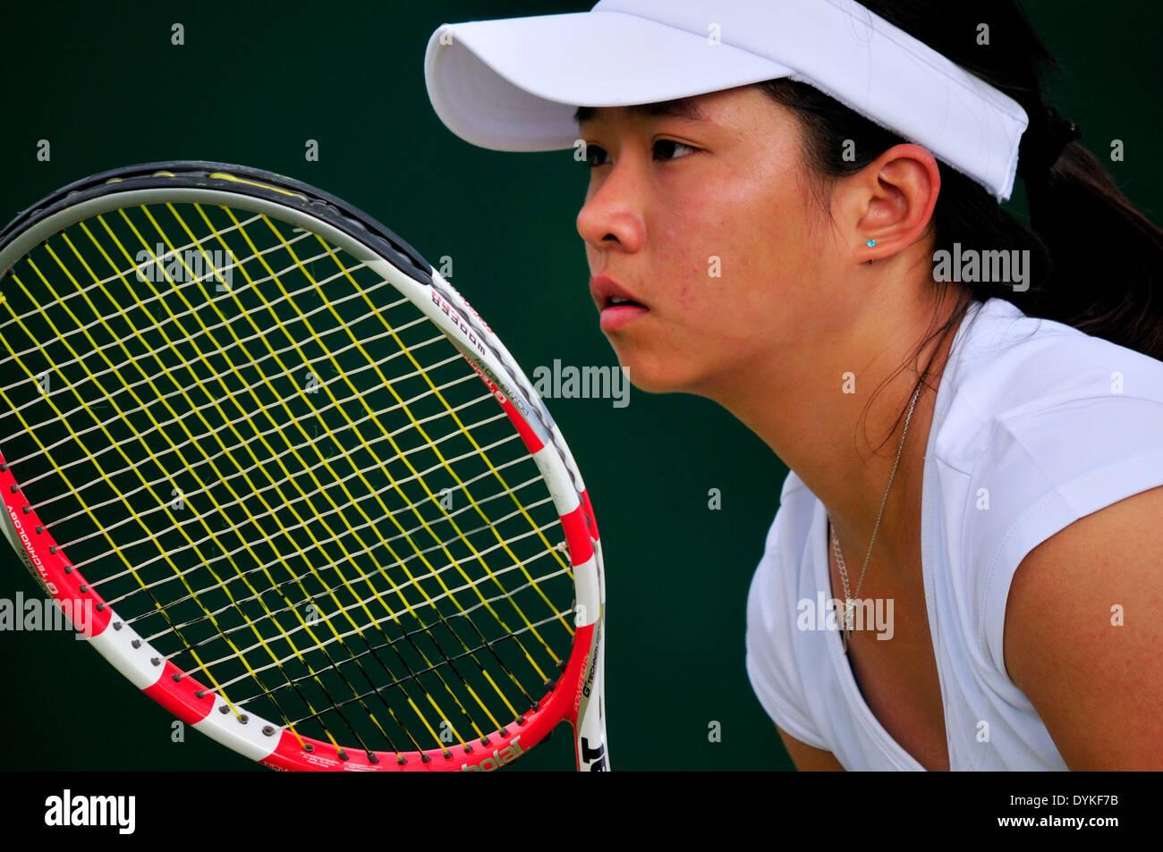 Katherine Ip (Hong Kong) bei Wimbledon 2013 Stockbild