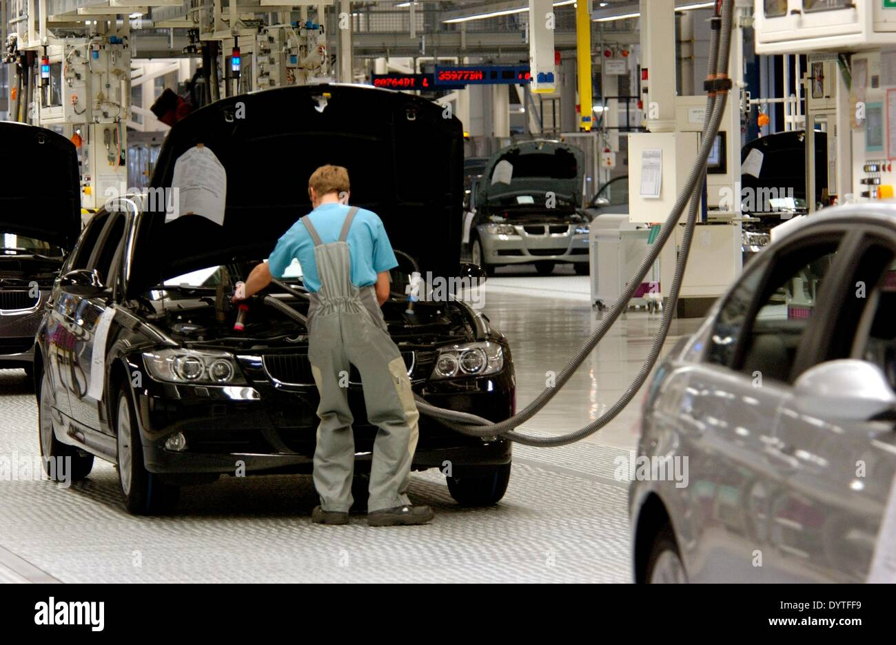 assembly bmw plant stockfotos assembly bmw plant bilder alamy. Black Bedroom Furniture Sets. Home Design Ideas
