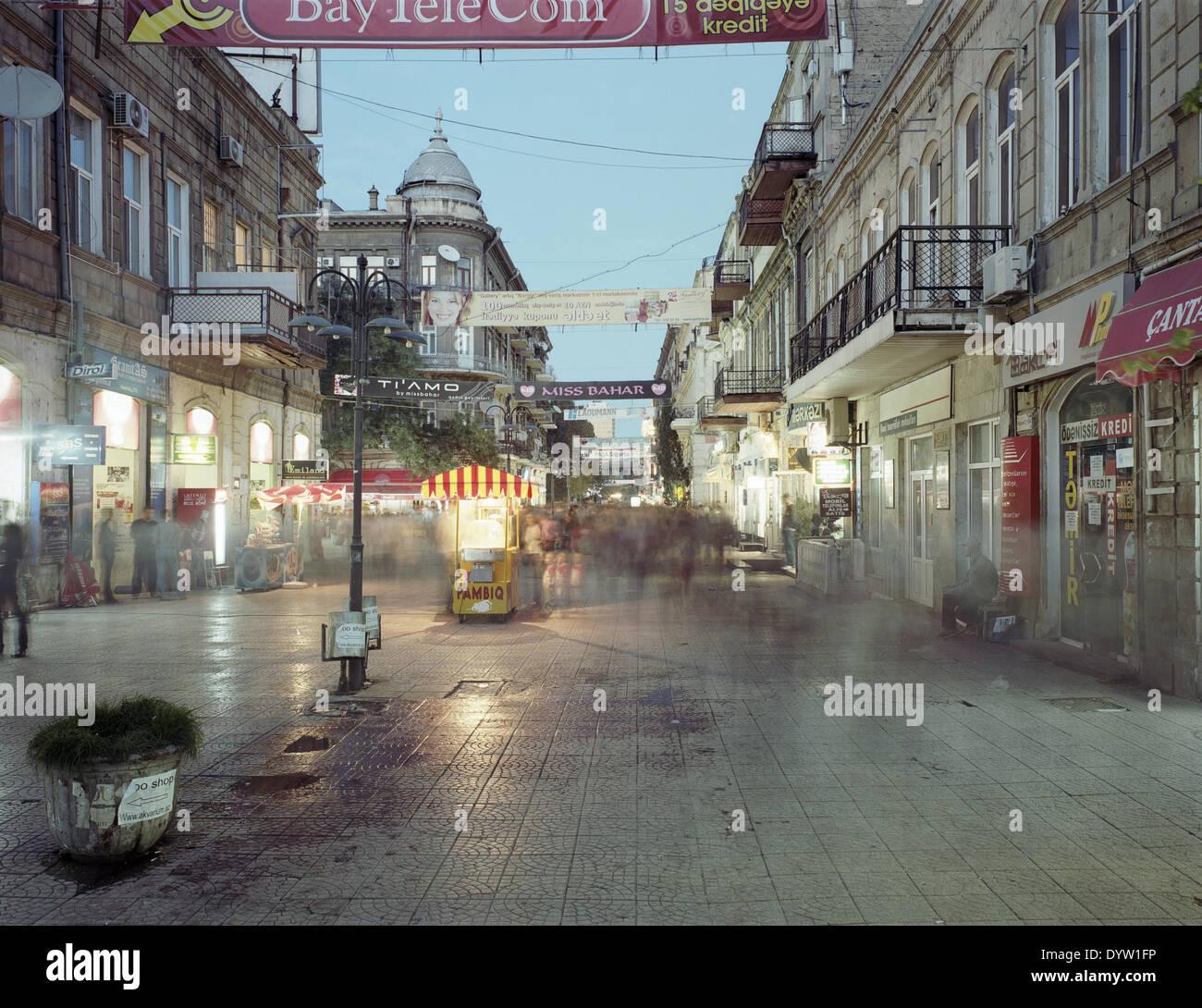 Straßenbild von historischen Einkaufsmeile in Baku 2008 Stockbild
