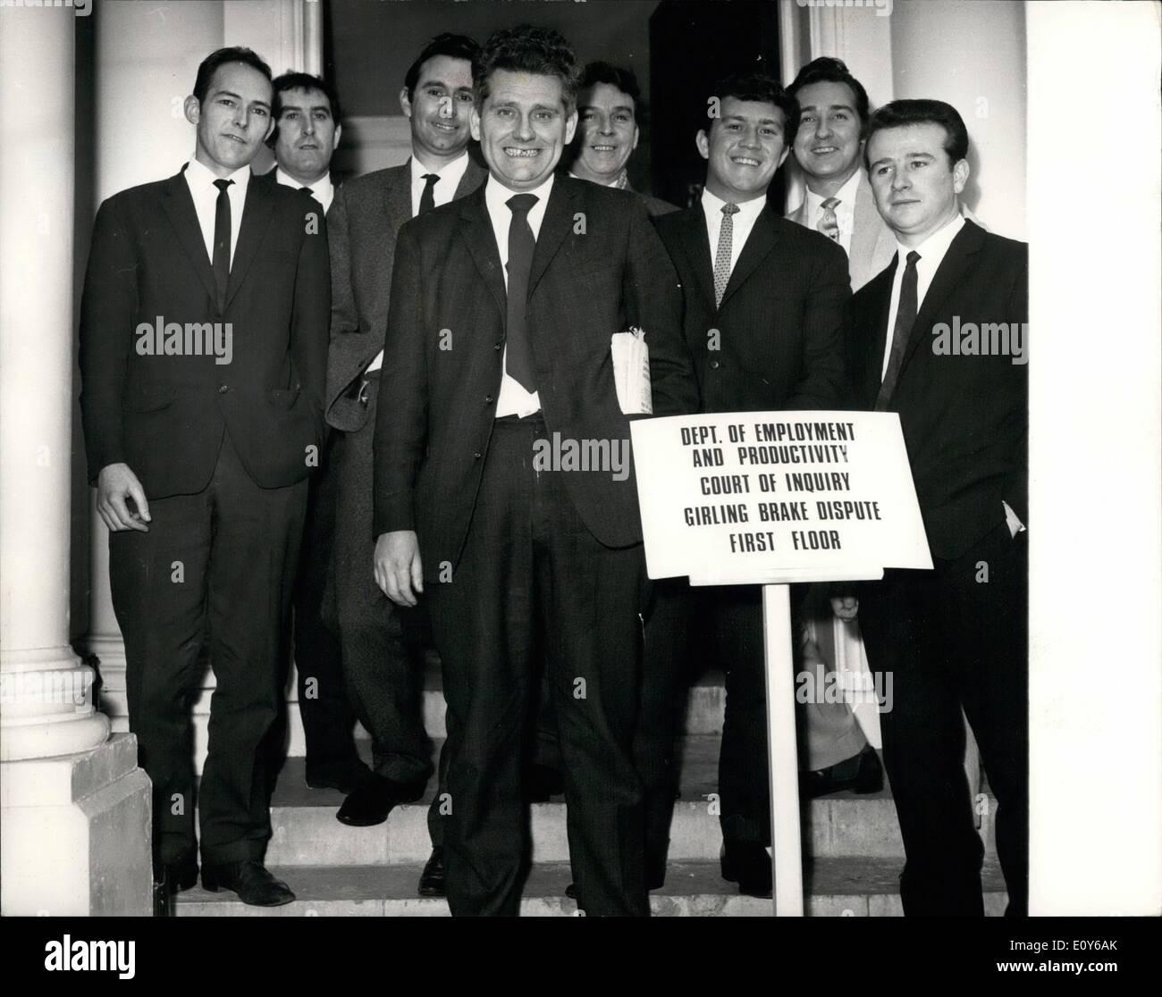 12. Dezember 1968 - Sondersitzung des Untersuchungsausschusses Gerichts in Girling schlagen. Foto zeigt: Herr Ted Stockbild
