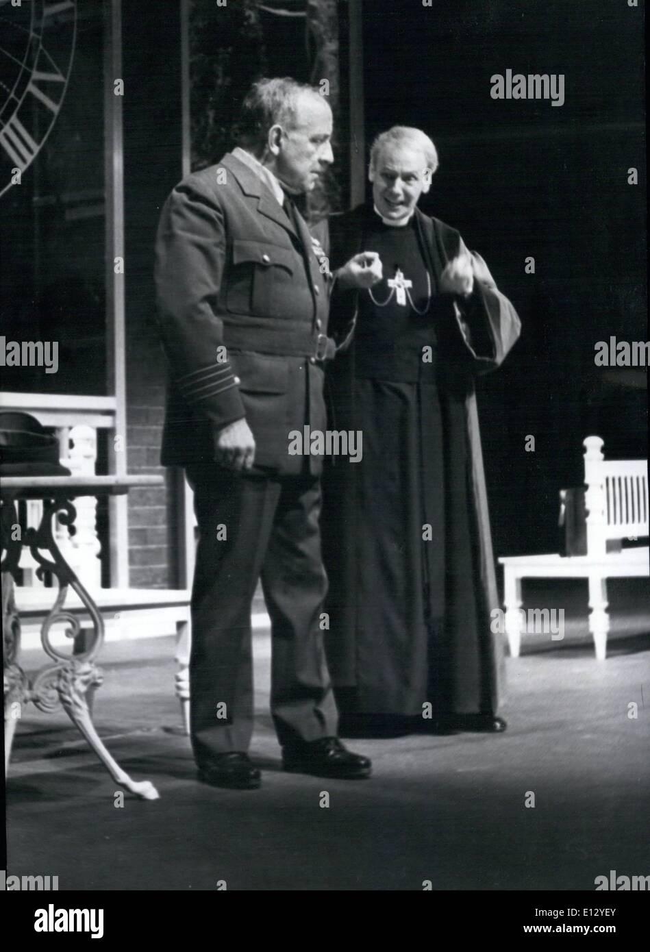 26. Februar 2012 - Welt-Premiere von Hochhuth ist '' The Soldiers'' (Soldaten) in West-Berlin (Hochhuth Stockbild