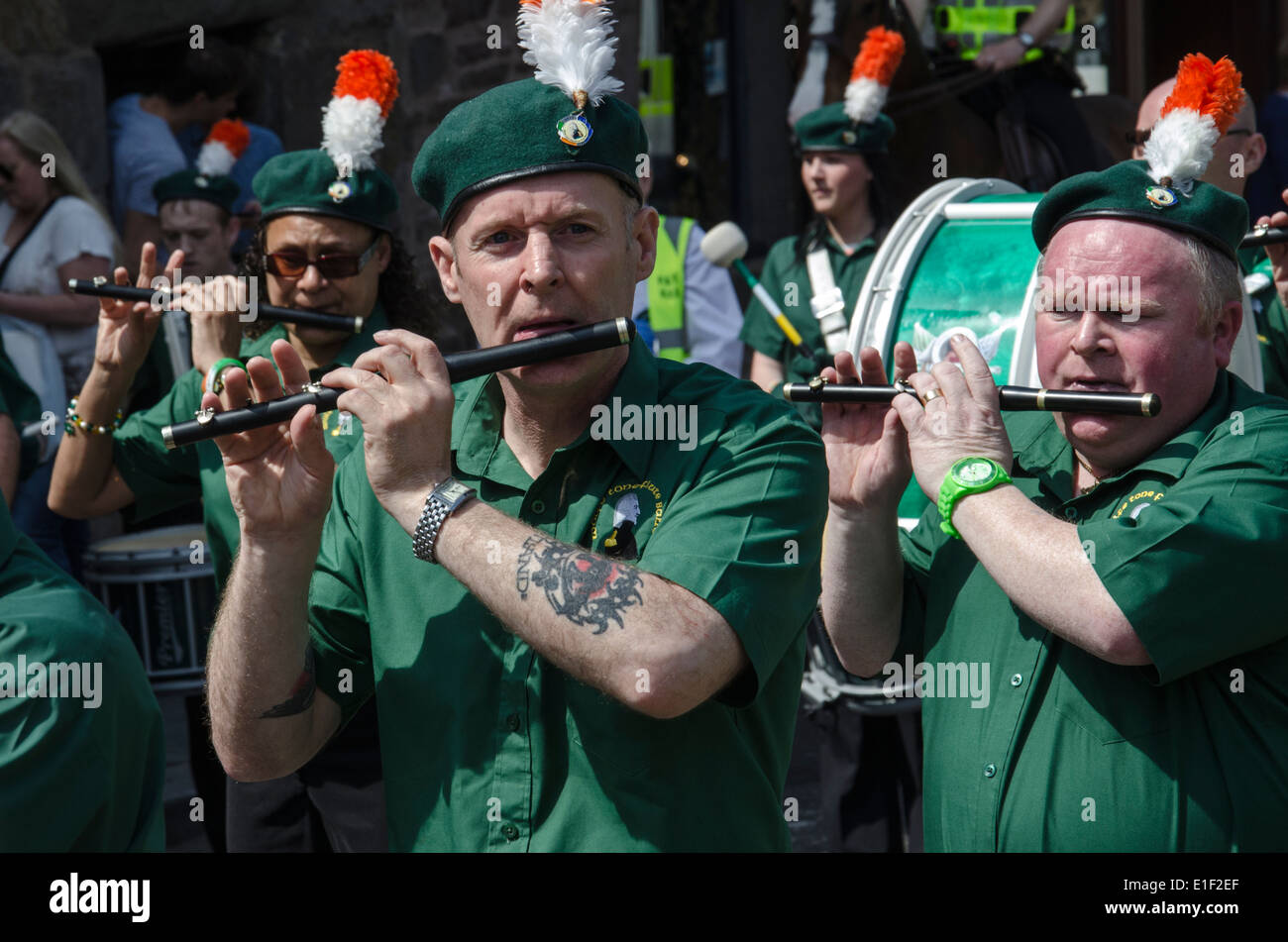 Mitglieder einer Irish Republican Flute Band auf James Connolly Memorial März in Edinburgh, 2014. Stockbild