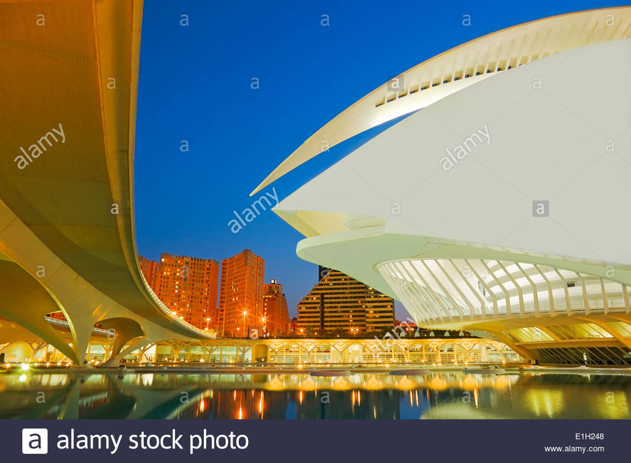Stadt der Künste und Wissenschaften bei Nacht, Valencia, Spanien Stockbild