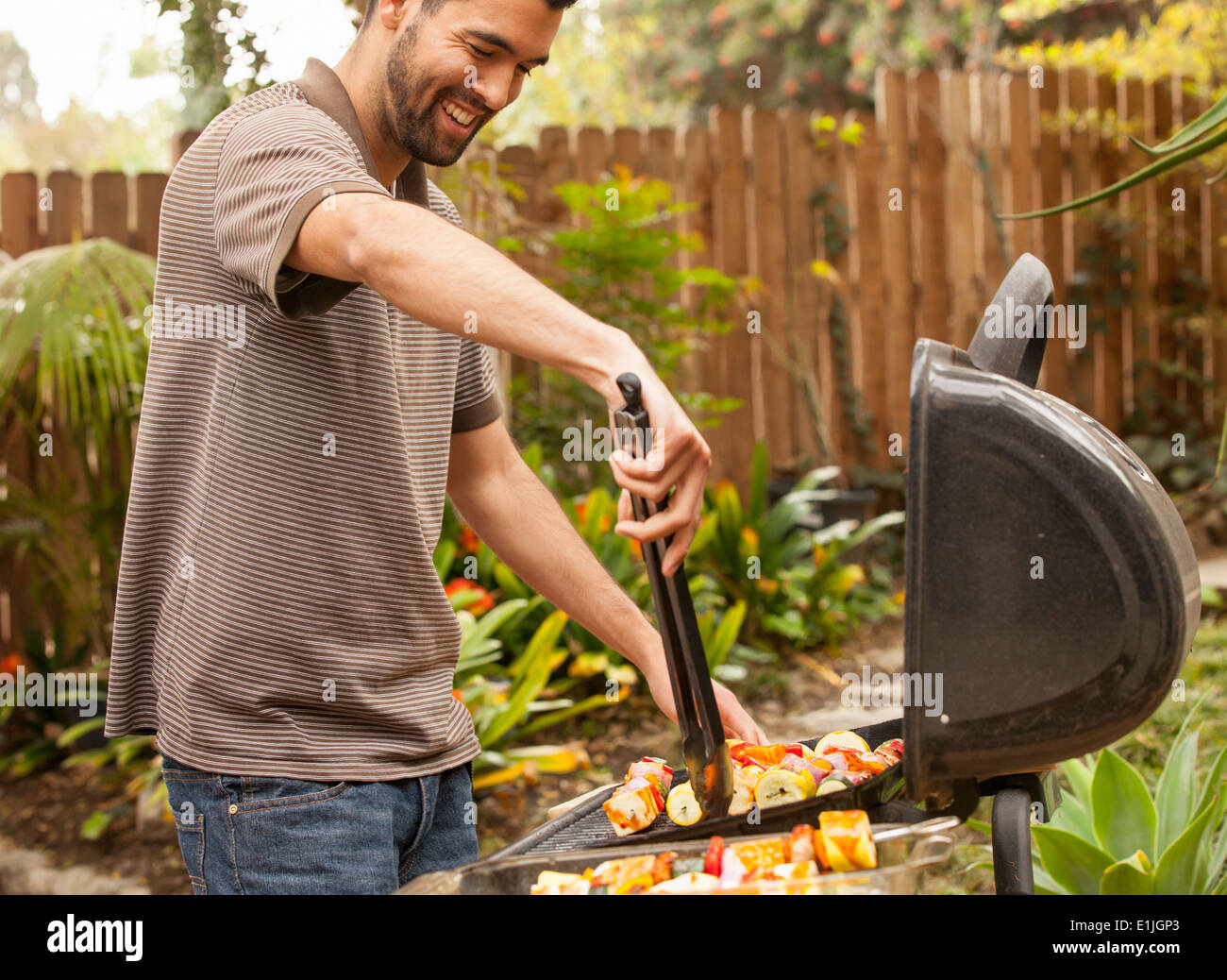cooking stockfotos cooking bilder alamy. Black Bedroom Furniture Sets. Home Design Ideas