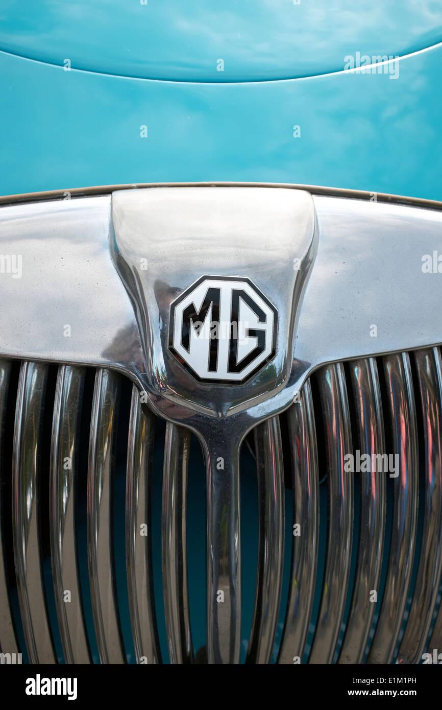 MG Oldtimer-Grill und Abzeichen Stockbild