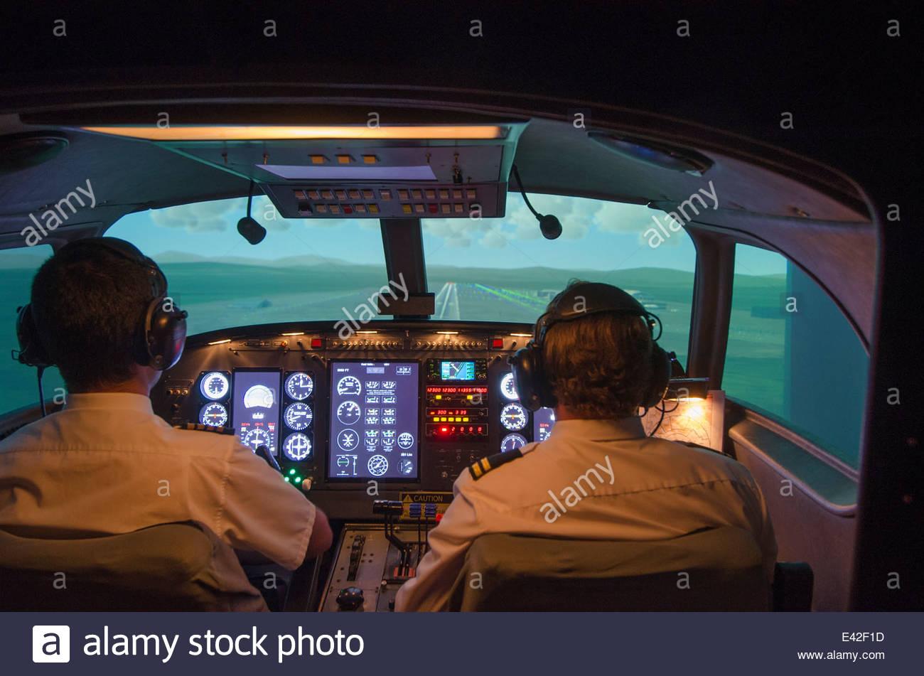 Innenansicht des Multi-Crew-Flugsimulator Stockbild