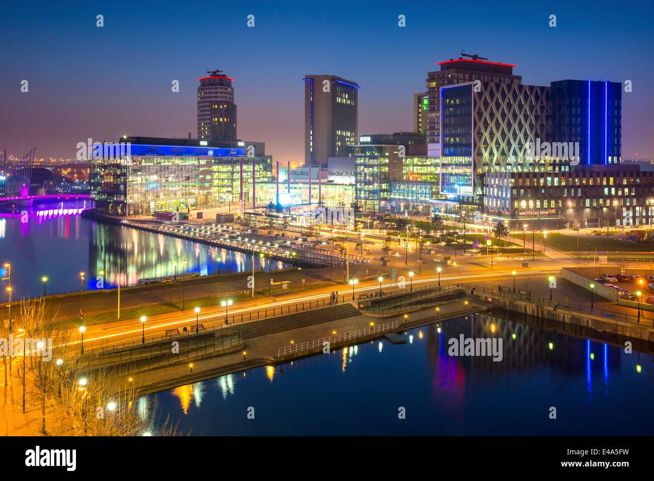 Erhöhten Blick auf die moderne MediaCity UK Komplex in Salford Quays in Manchester, England, Vereinigtes Königreich, Stockbild