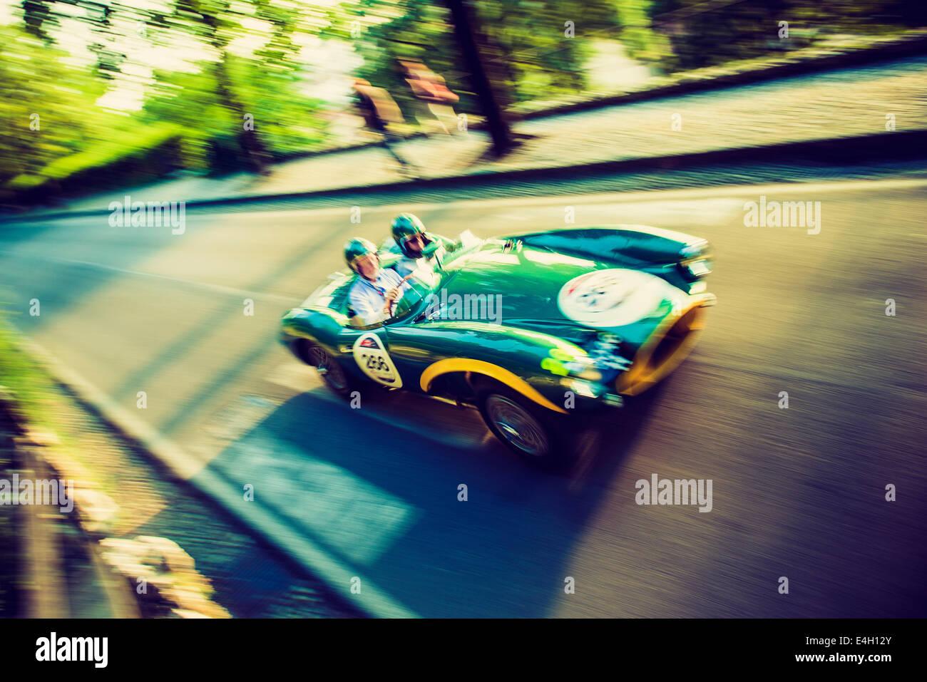 Aston Martin DB3s aus 1953 - Mille Miglia - Classic Car Rennen, Brescia, Italien 2014 Stockbild