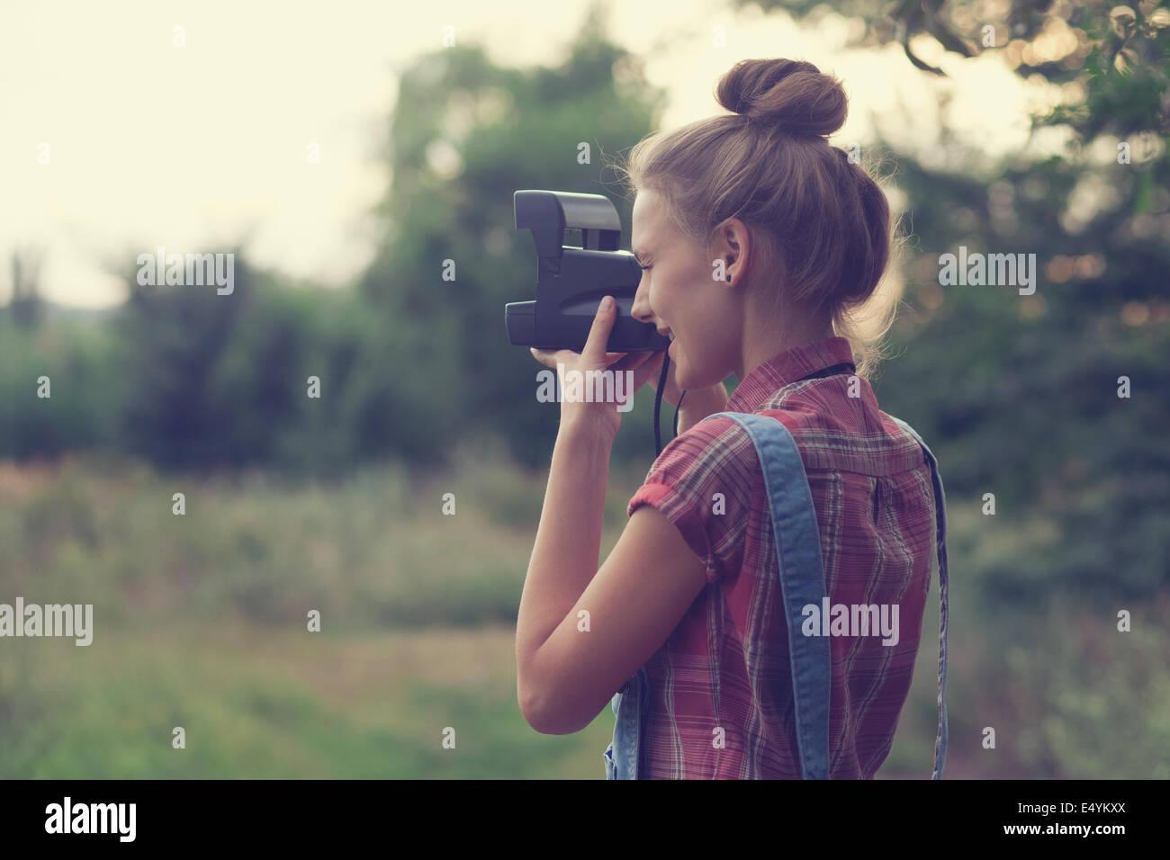 Mädchen-Fotograf Außenaufnahmen Stockbild