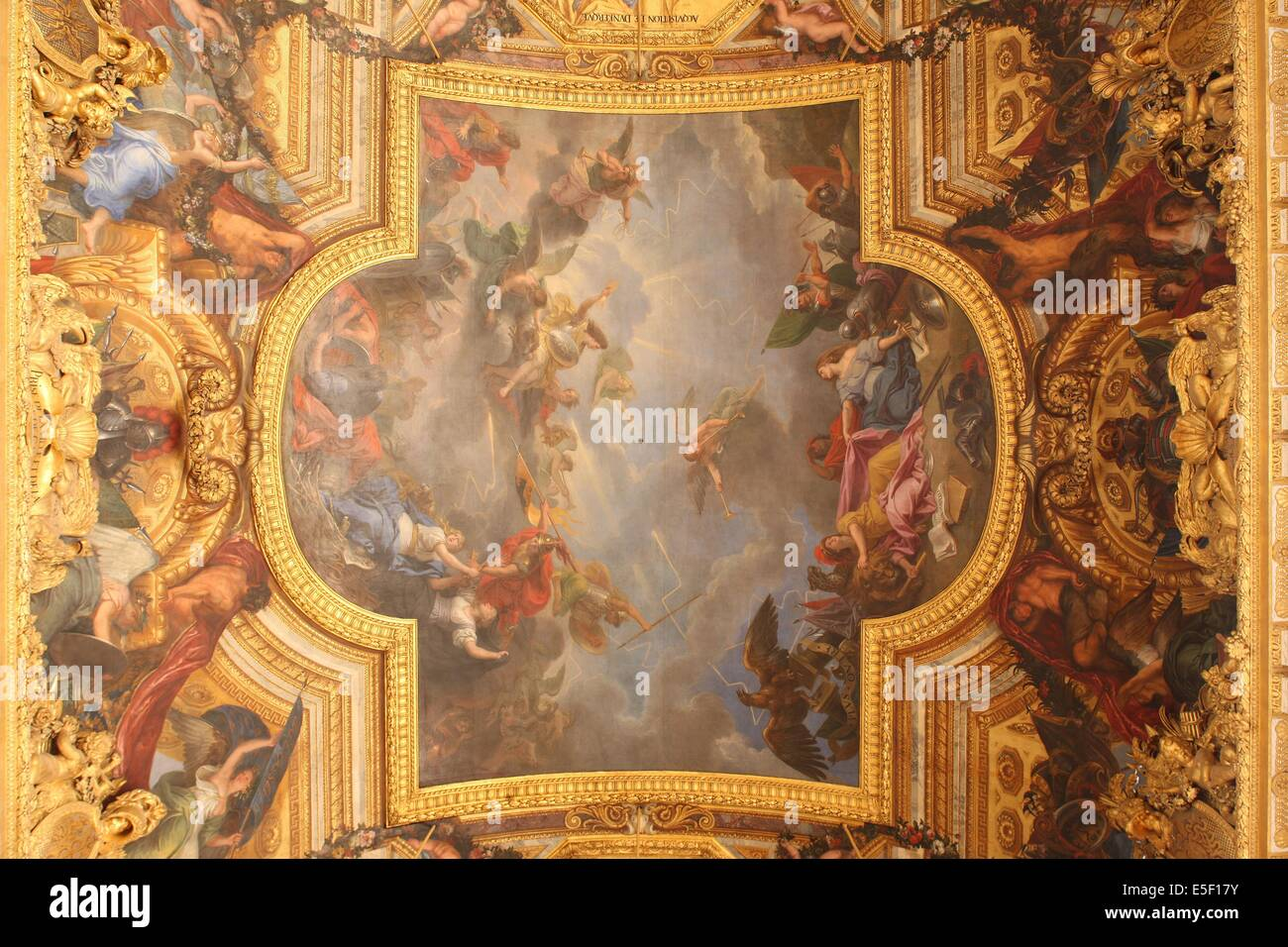 ceiling hall mirrors versailles palace stockfotos ceiling hall mirrors versailles palace. Black Bedroom Furniture Sets. Home Design Ideas