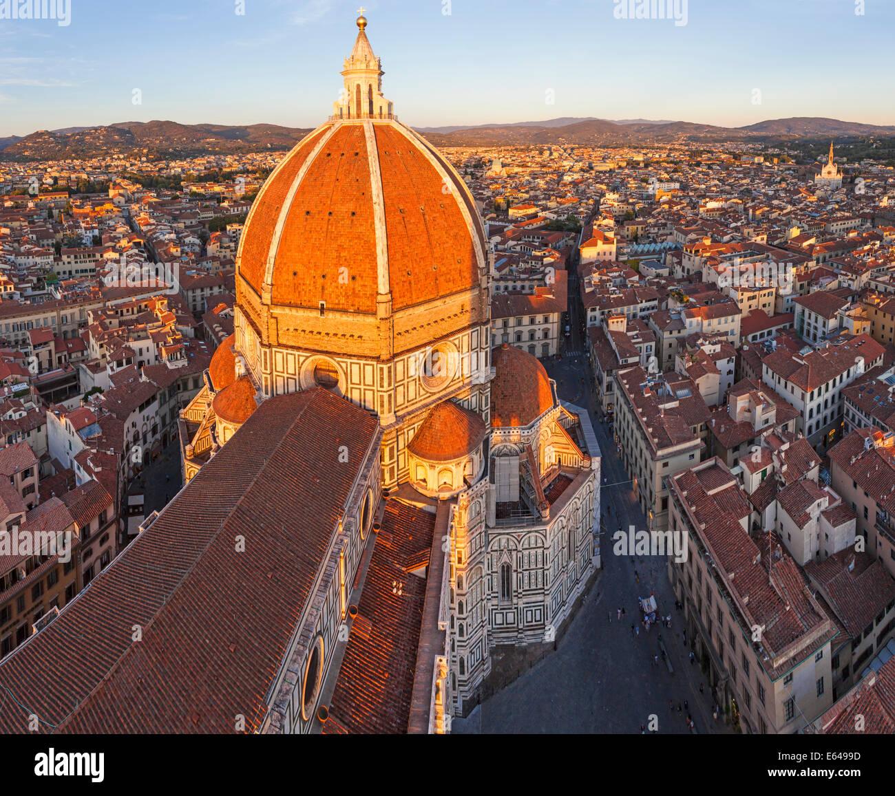 Dom Santa Maria del Fiore und Skyline über Florenz, Italien Stockbild