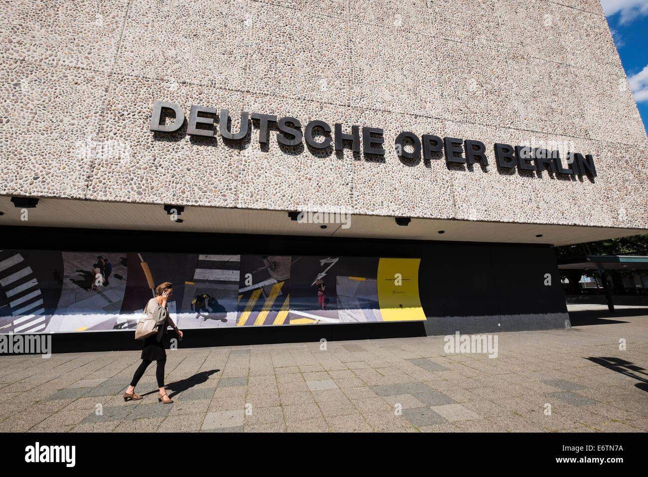 Außenansicht des Deutschen Oper der Deutschen Oper in Berlin Deutschland Stockbild