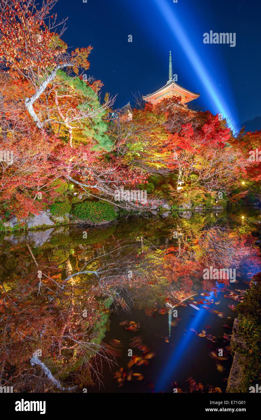Kyoto, Japan in Kiyomizu-Dera-Tempel in den Herbst Sesaon. Stockbild