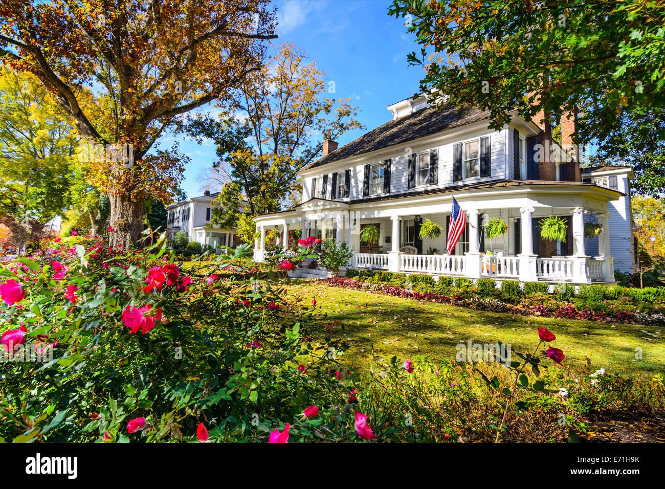 Madison, Georgia, USA auf Bezirksebene antebellum Häuser. Stockbild