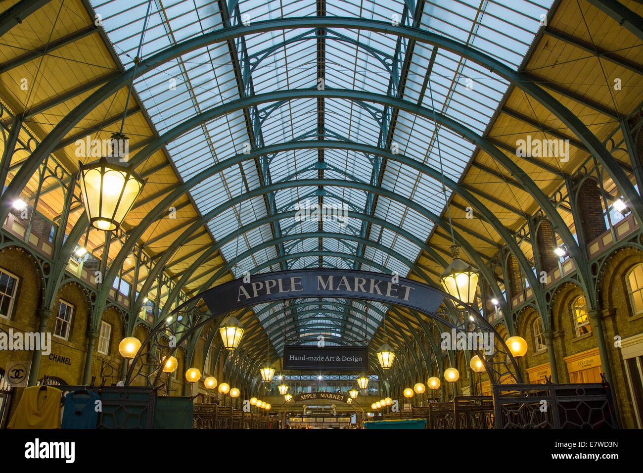 covent garden apple market london stockfotos covent garden apple market london bilder alamy. Black Bedroom Furniture Sets. Home Design Ideas